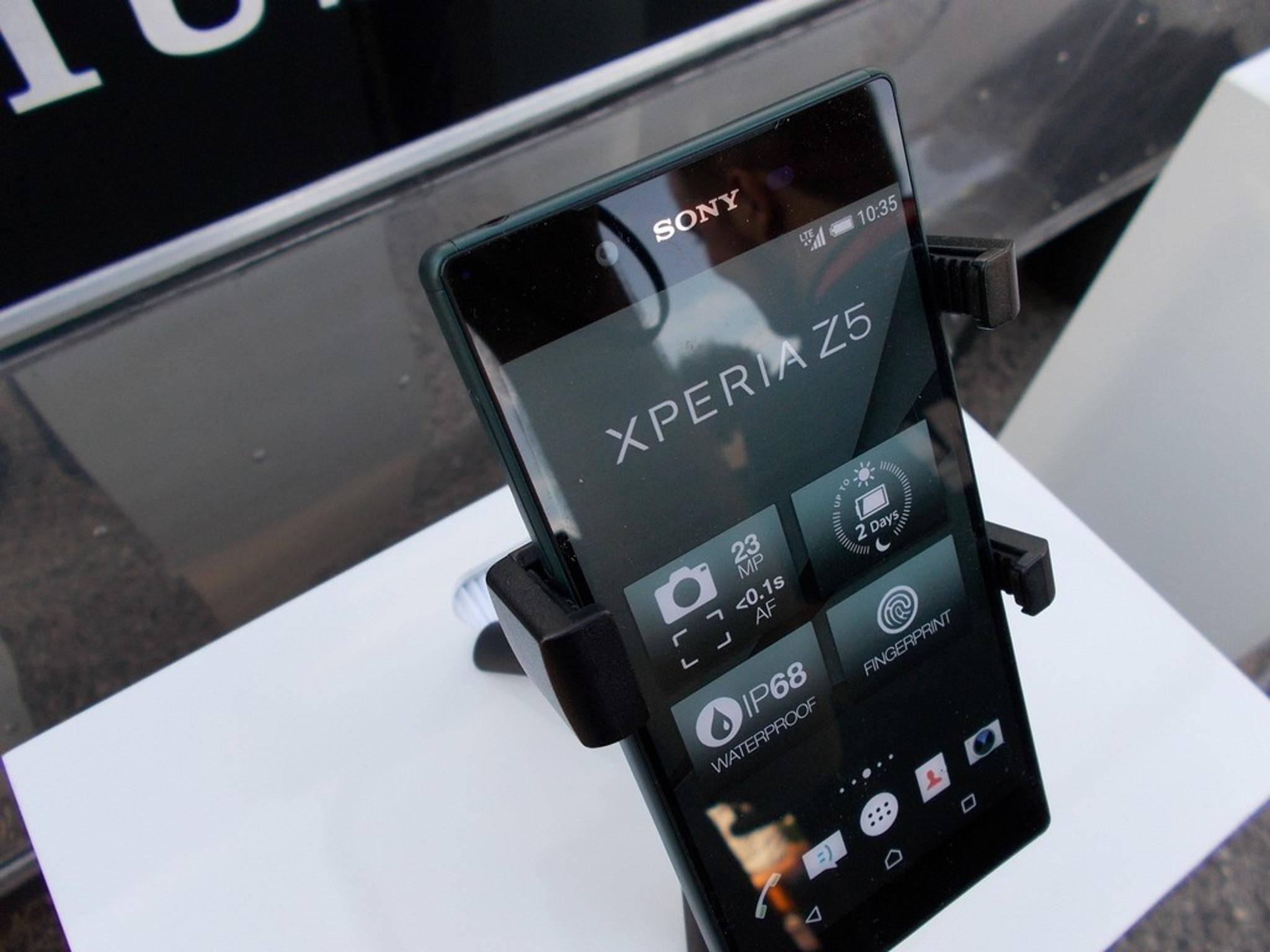 Noch vor dem Release sinkt der Preis des Xperia Z5 – vorerst allerdings nur in Großbritannien.