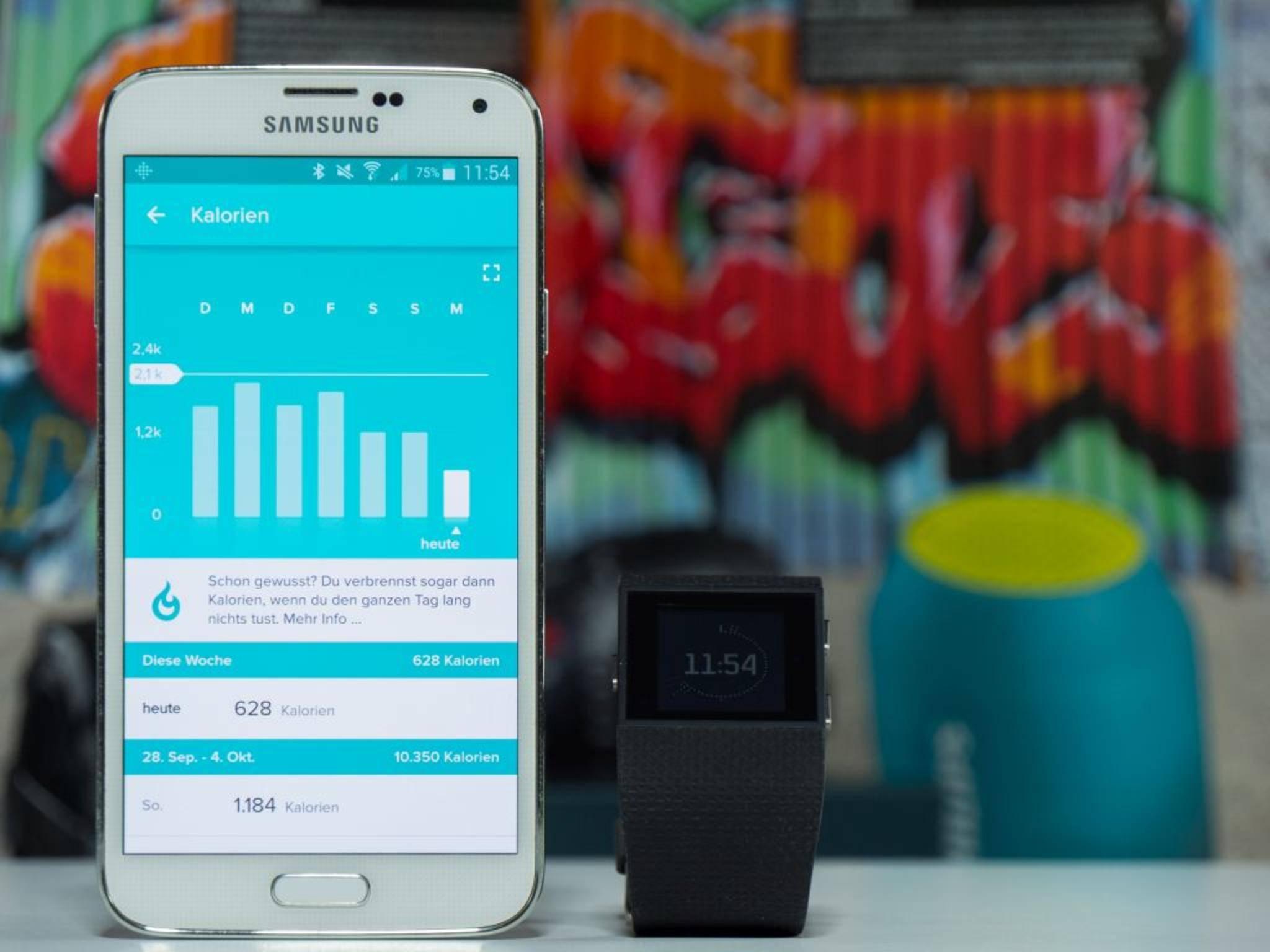 Andere Infos gibt's per Touchscreen-Berührung, physischem Knopfdruck oder in der App.