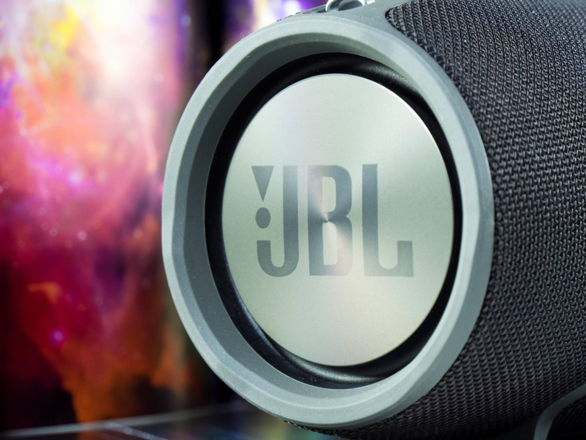 Rein optisch ist der Lautsprecher eine Augenweide.