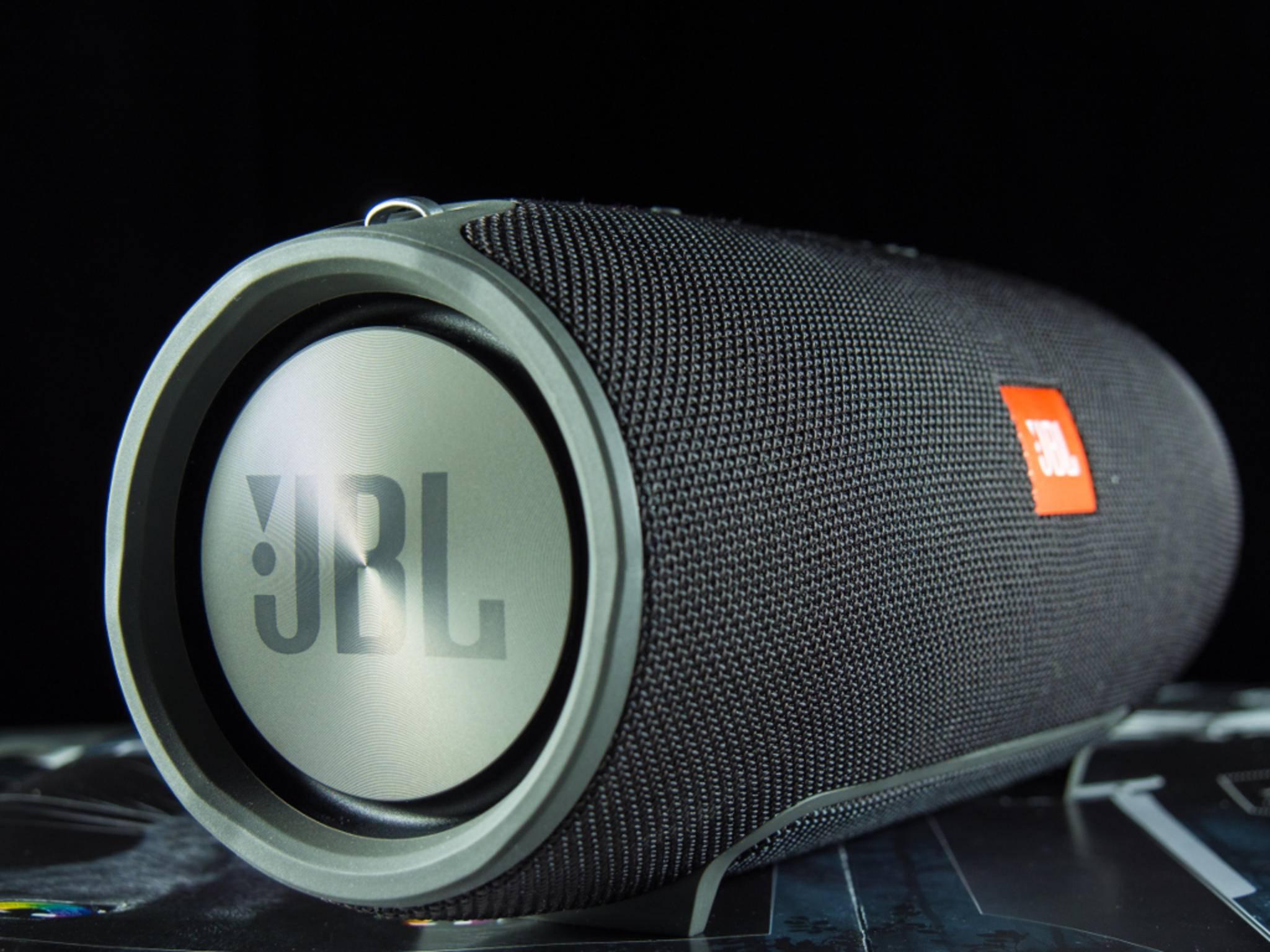 Der JBL Xtreme ist eine kompakte Soundmaschine.
