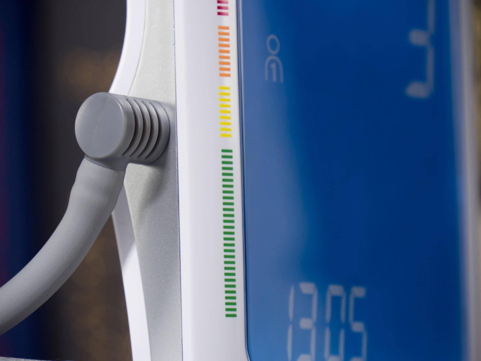 Die Skala an beiden Geräten erlaubt eine schnelle Einschätzung des Blutdrucks.