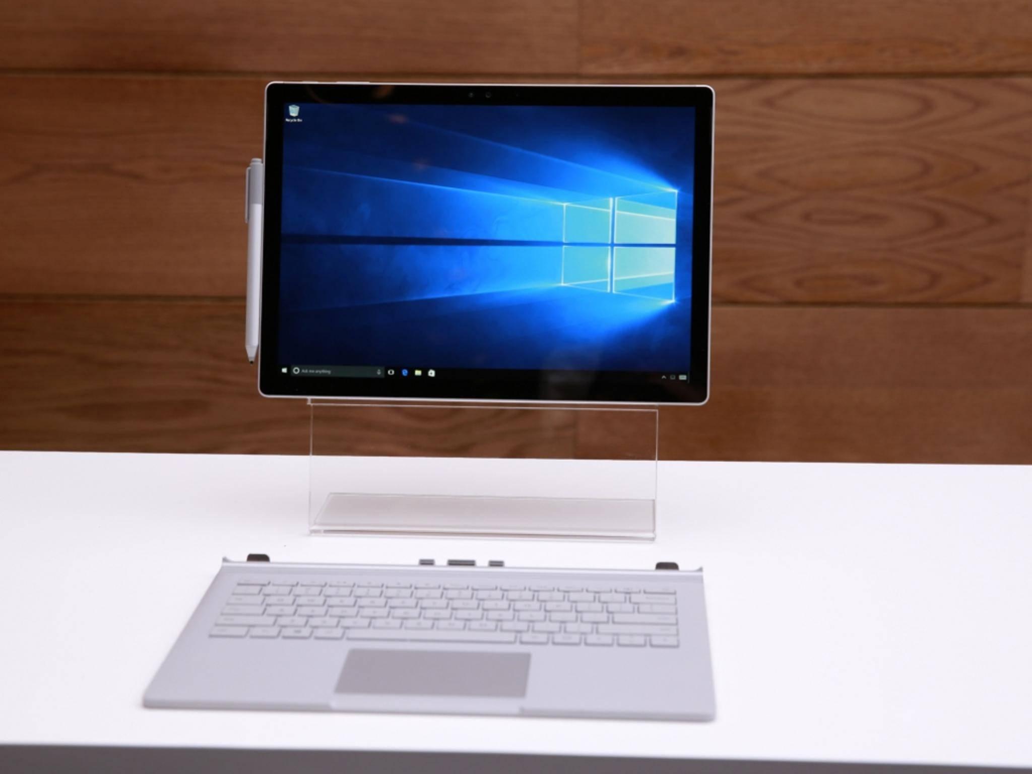 Auf dem Microsoft Surface Book und anderen neuen PCsist Windows 10 schon vorinstalliert.