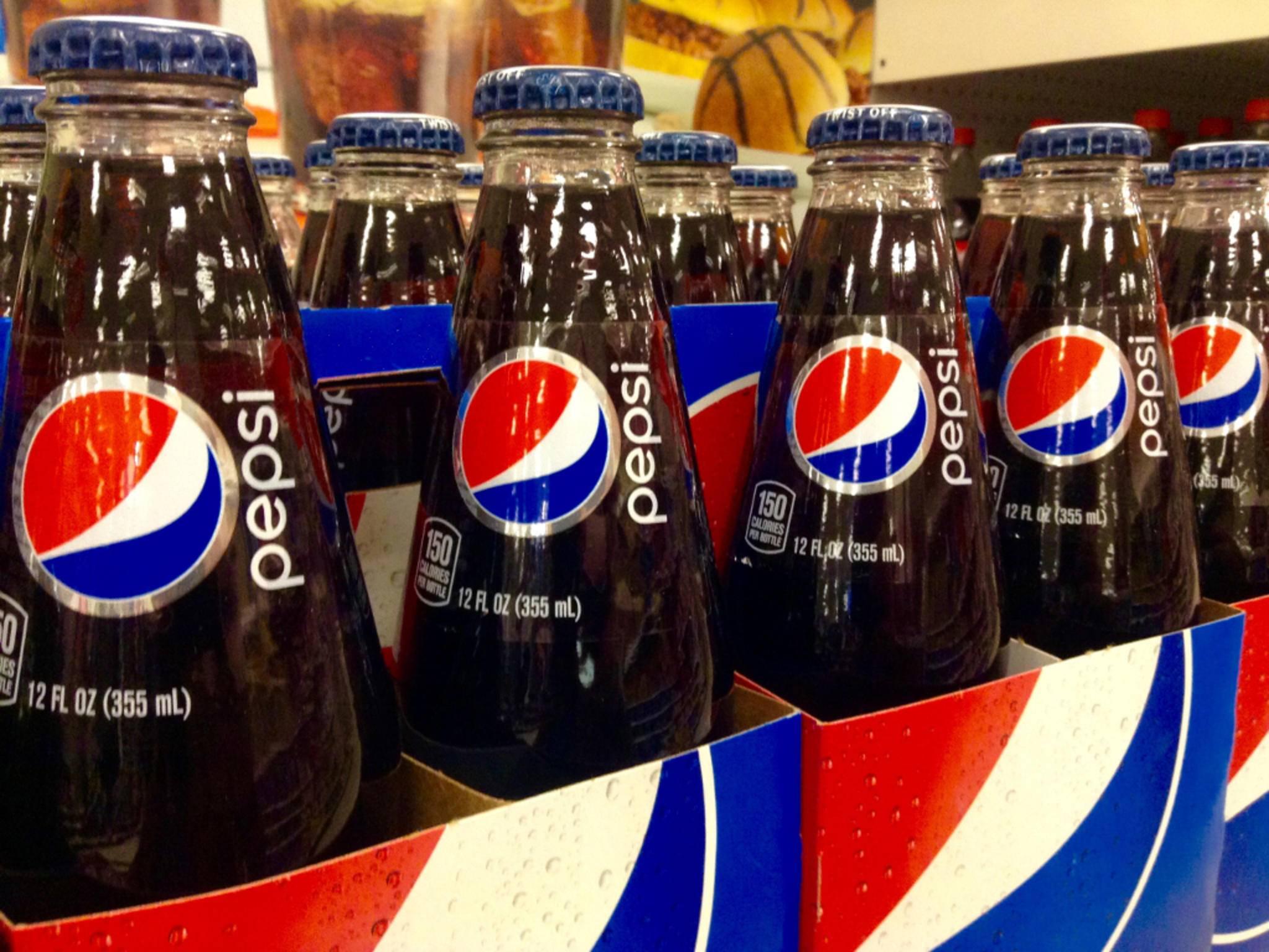 Demnächst könnten auch Smartphones mit Pepsi-Logo vom Band laufen.