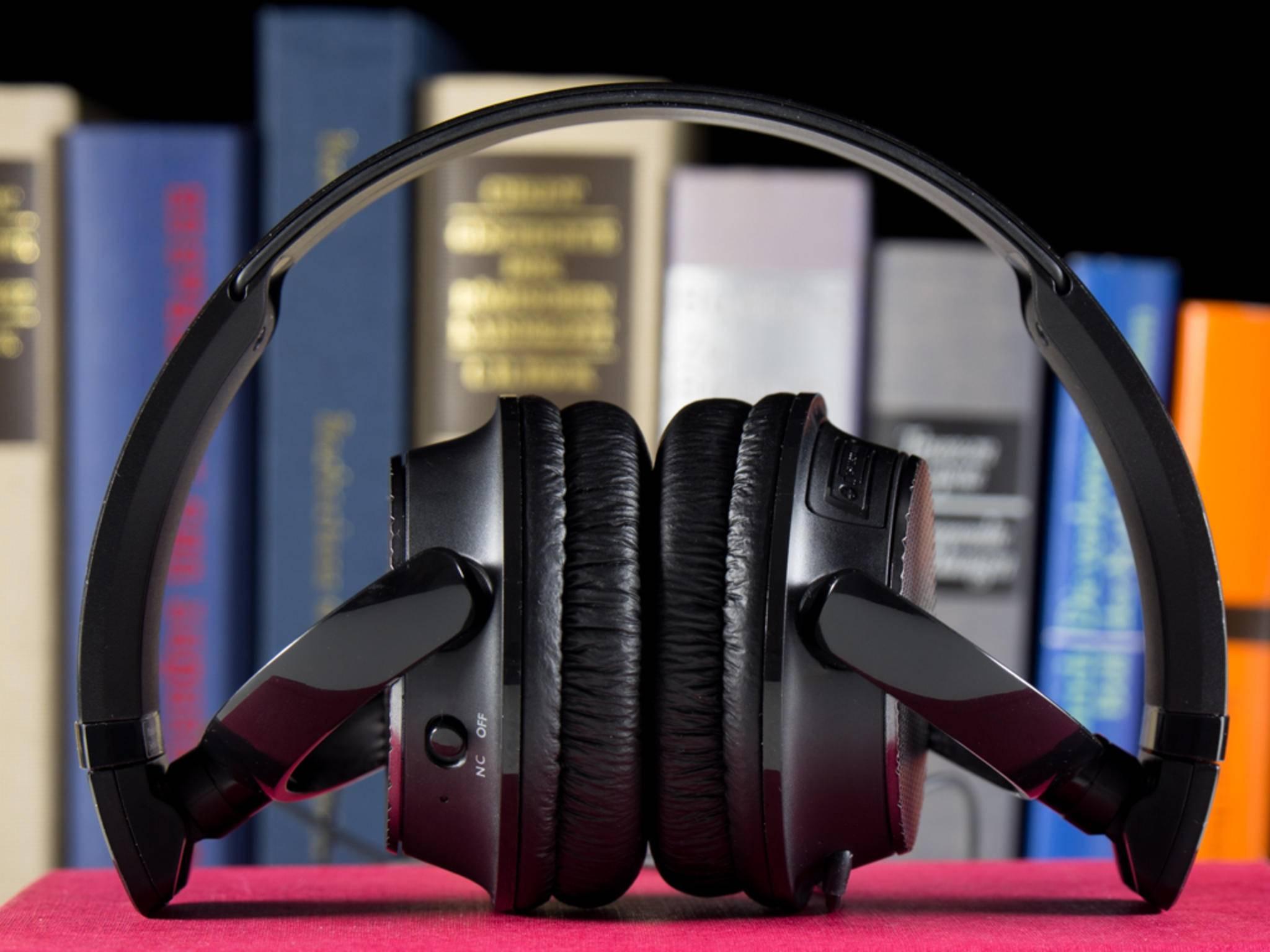 Der Kopfhörer lässt sich für den Transport bequem falten.