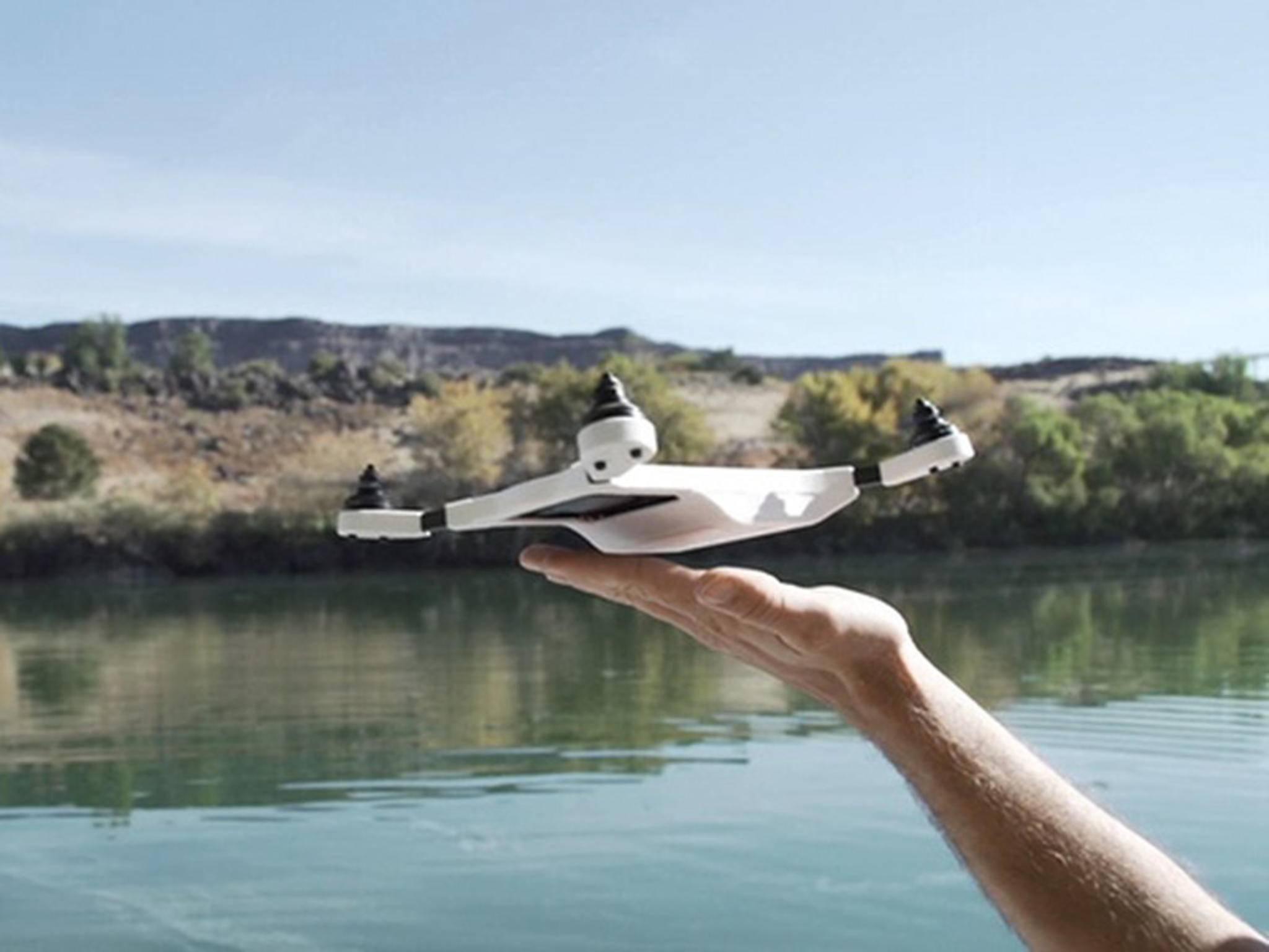 Diese Drohne nutzt einfach Deine Smartphone-Kamera für tolle Aufnahmen.