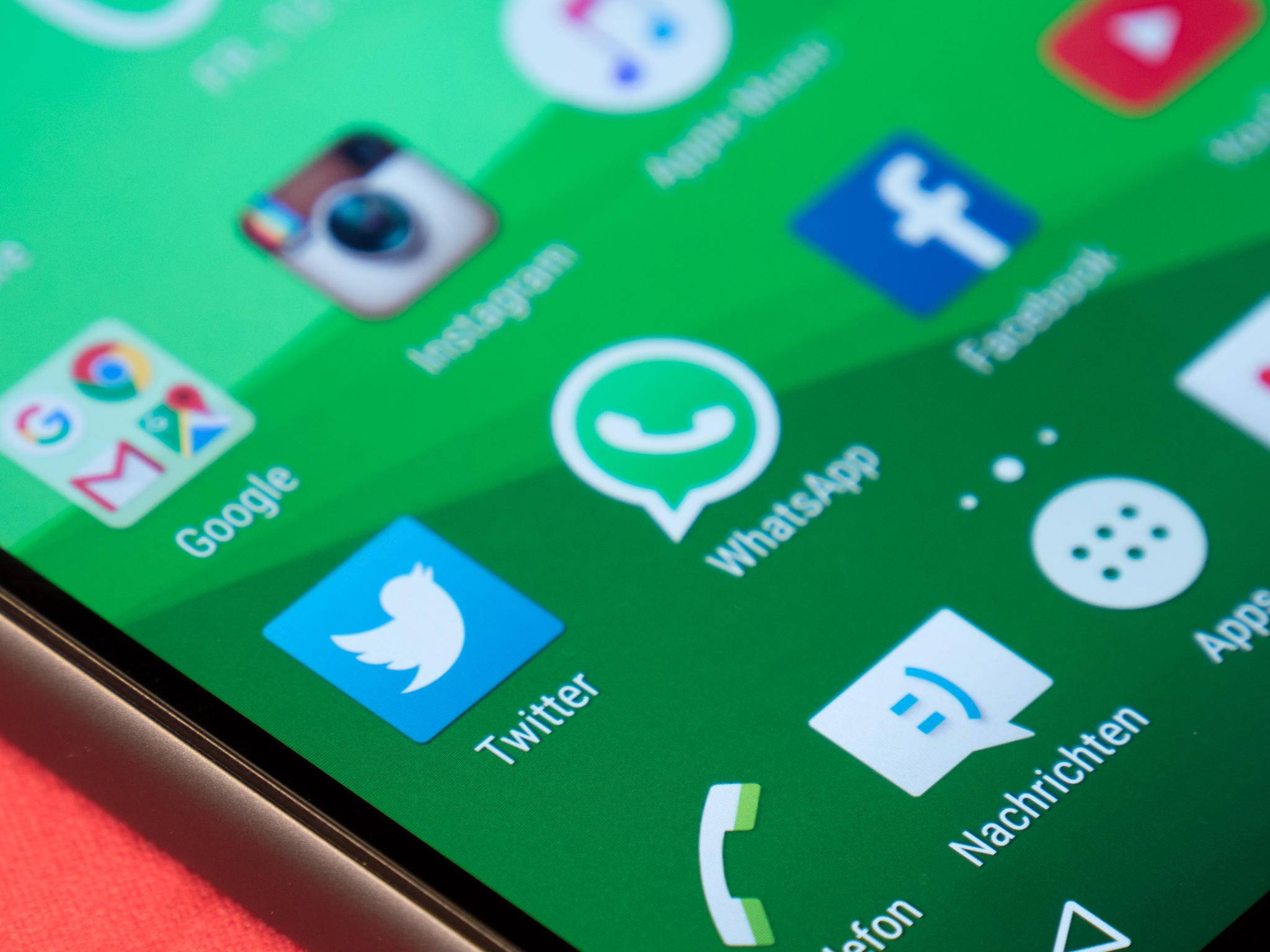WhatsApp blockiert Links zu einem Konkurrenten.