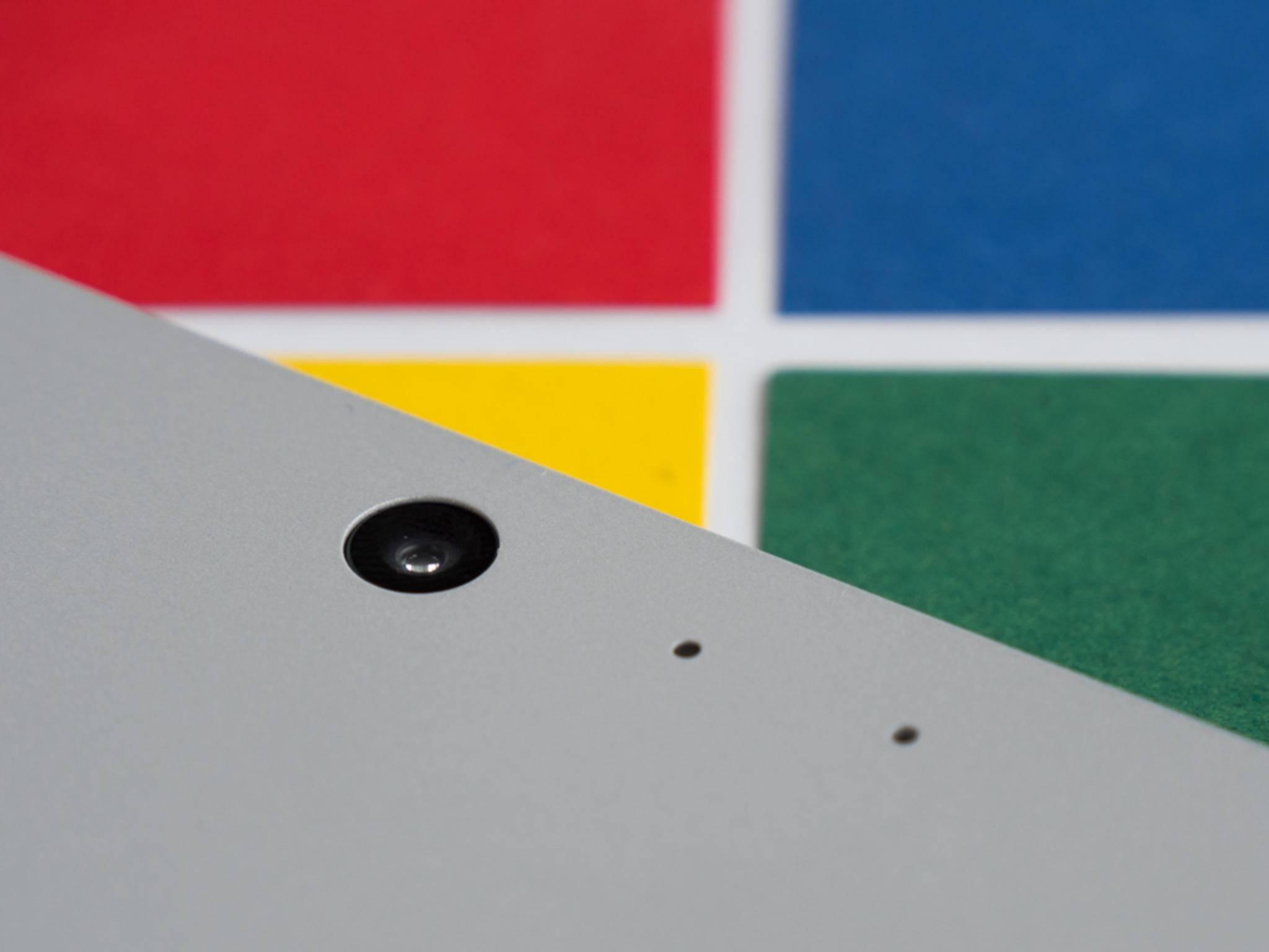 Das Surface Pro 4 besitzt eine 8-MP-Rück- und eine 5-MP-Frontkamera.