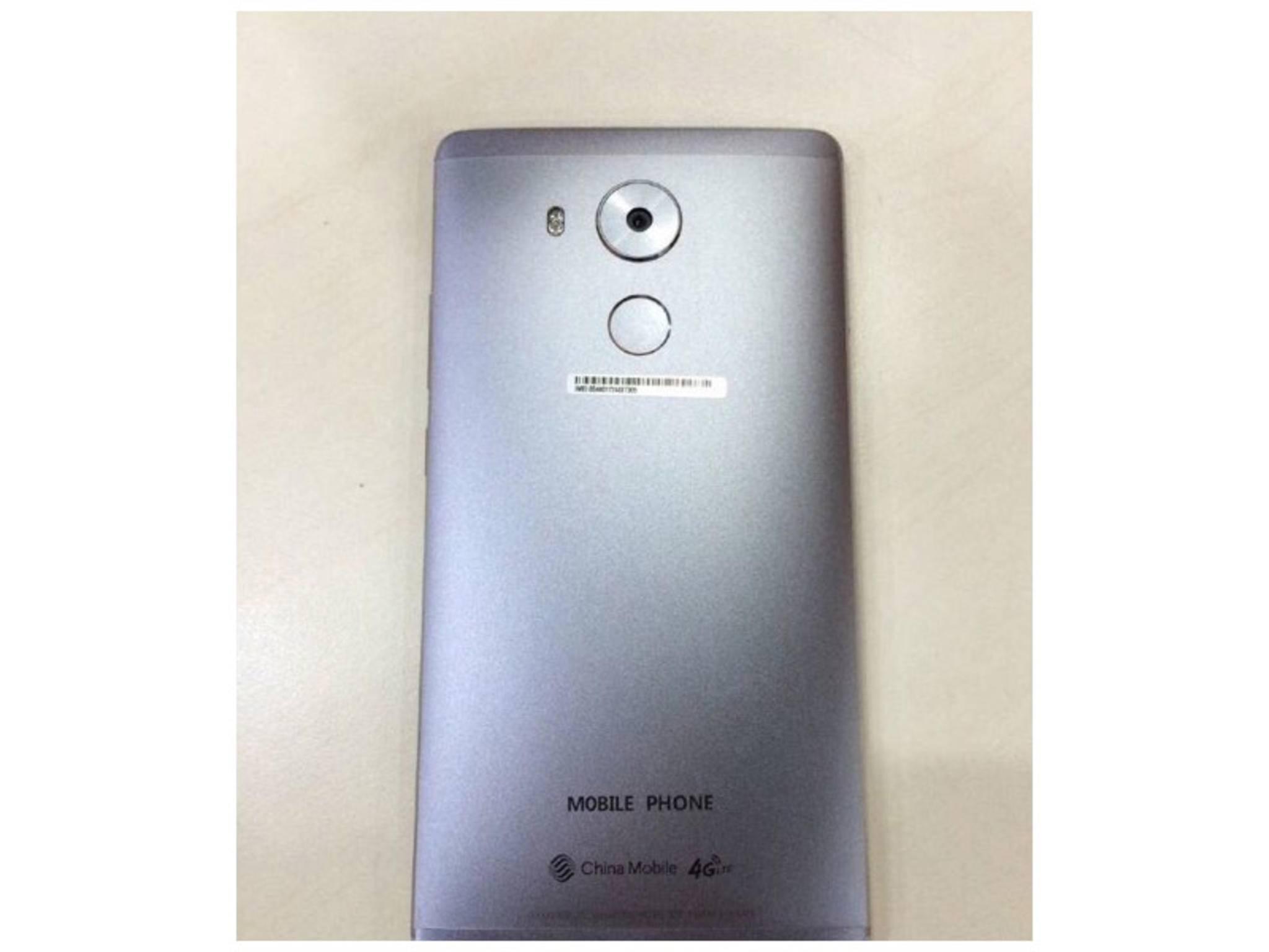 Die Kamera des Huawei Mate 8, darunter der Fingerabdruckscanner.