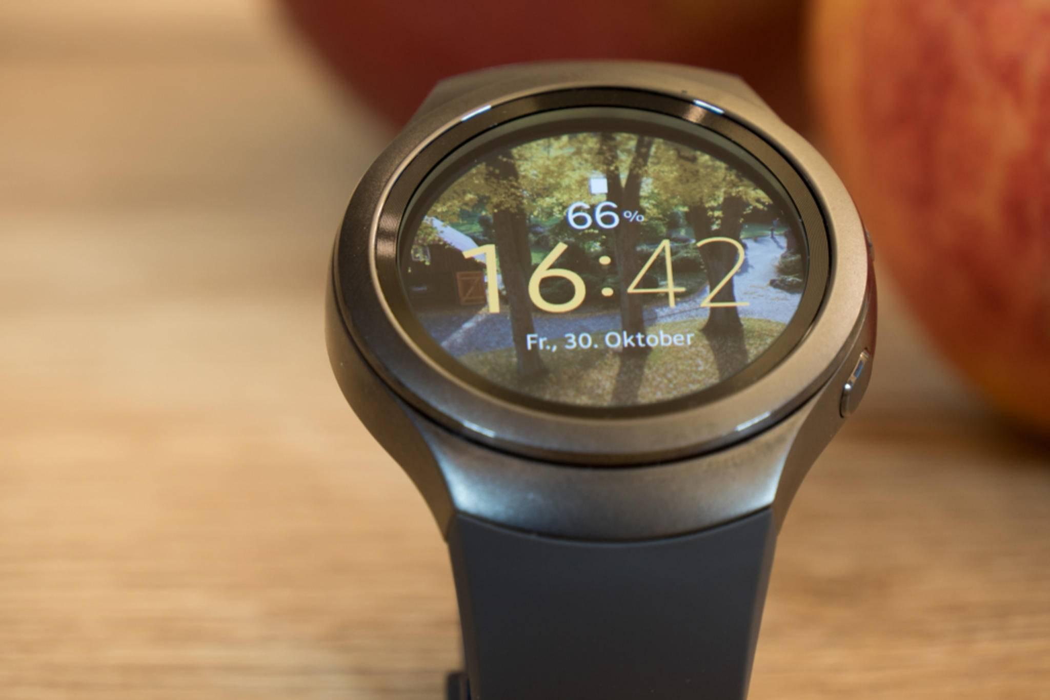 Die Samsung Gear S2 soll sich bald auch mit iPhones verbinden können.