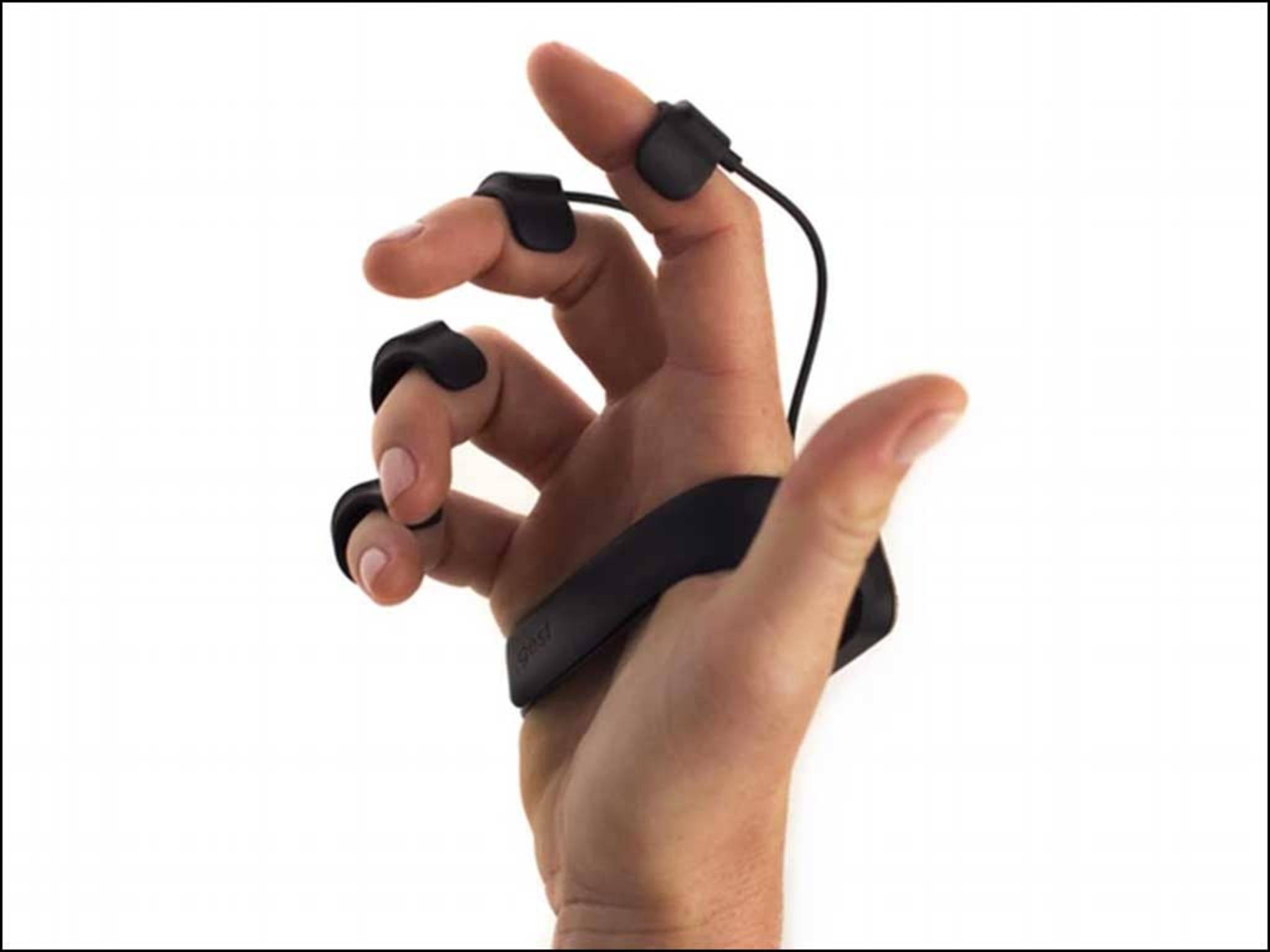 Gest schließt sich um die Hand und kann nicht herunterfallen.