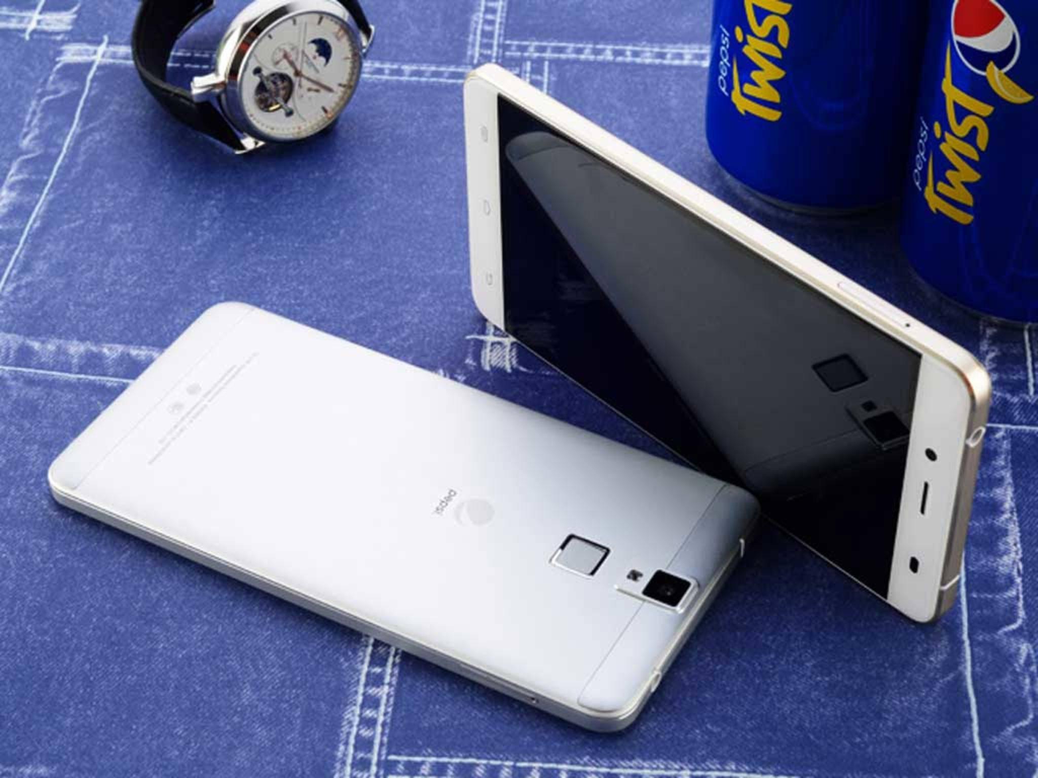 Die beiden Kameras bieten 5 und 13 Megapixel.