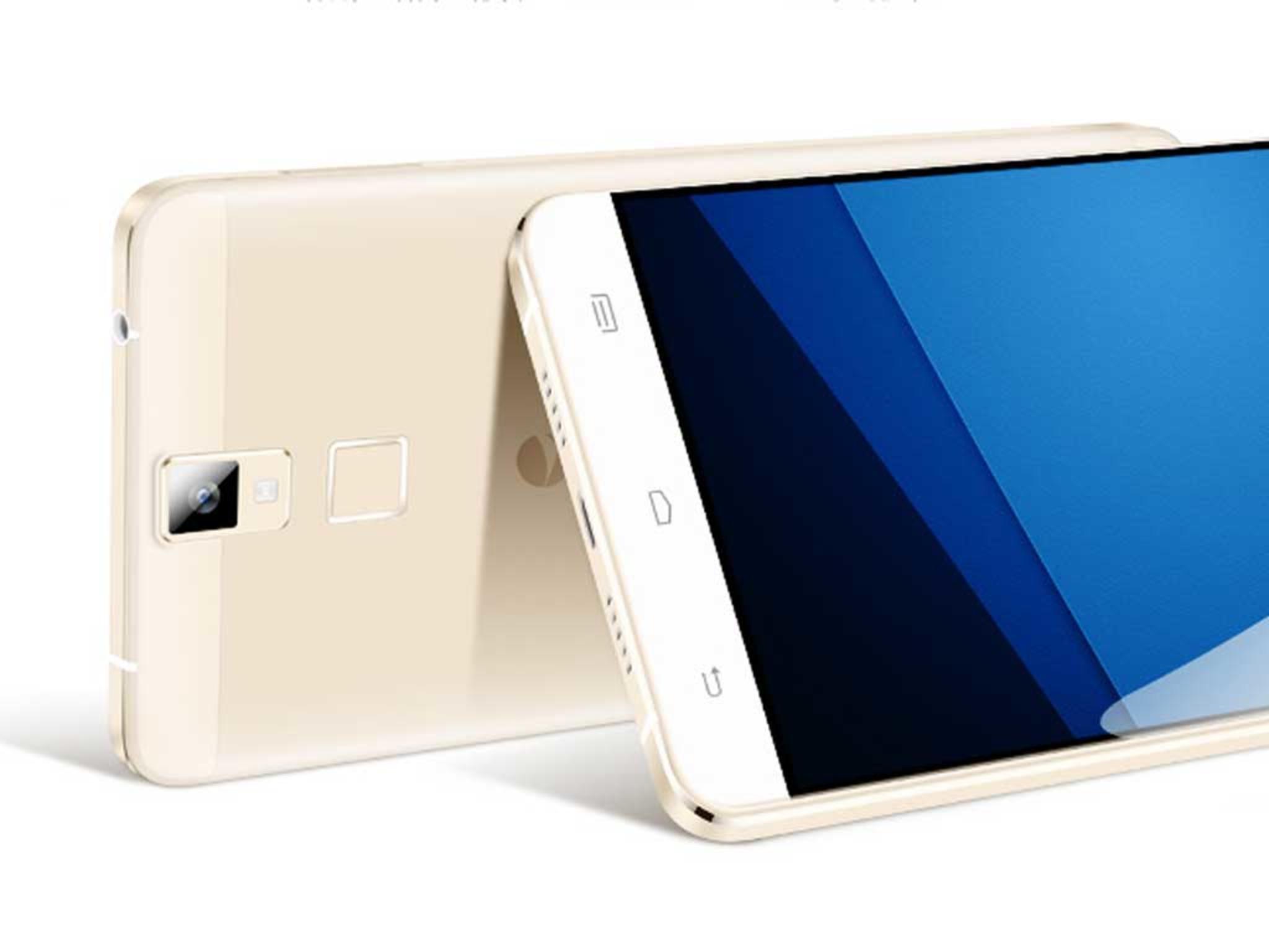 """Das """"pepsige"""" Smartphone ist leicht und schlank."""
