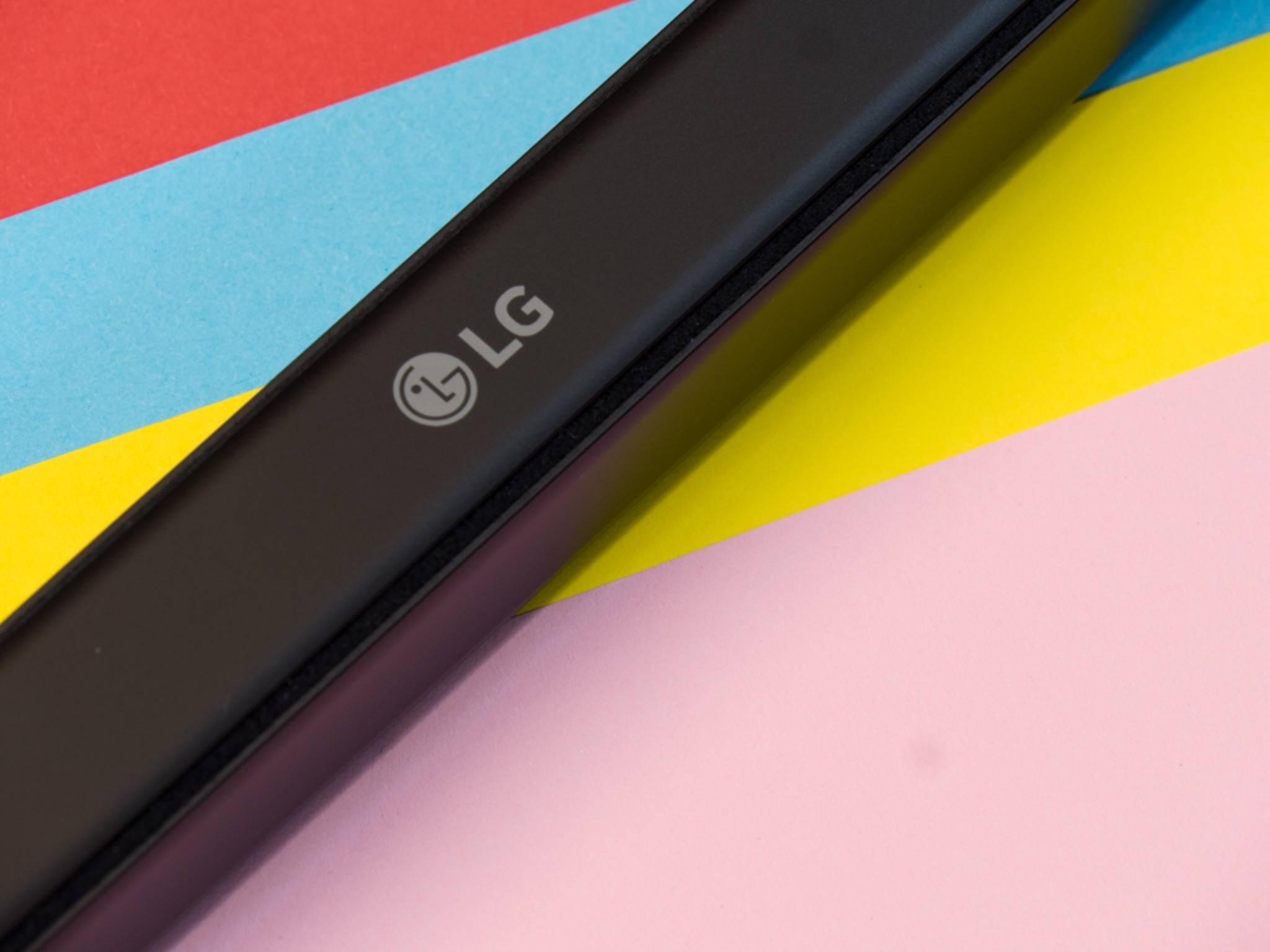 Das LG Rolly Keyboard ergibt zusammengerollt ein handliches Paket.