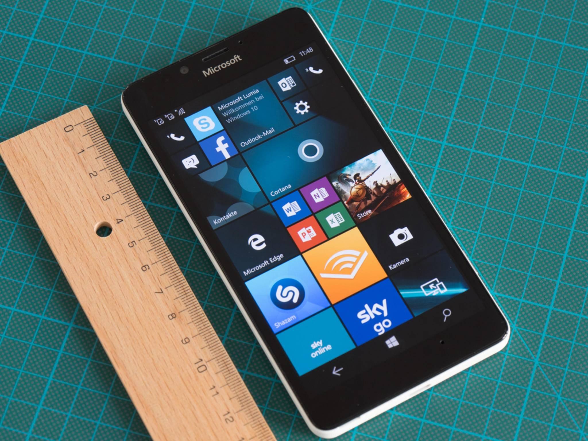 Das Windows 10-Flaggschiff Lumia 950 zeigte sich im Test sehr stark.