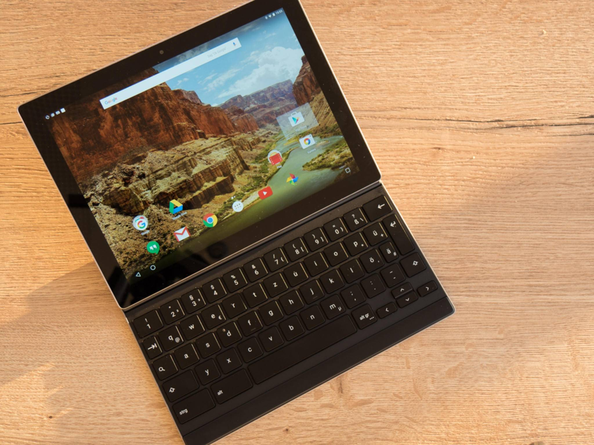 Das Google Pixel C erhält mit Android 7.1.2 den Pixel Launcher.