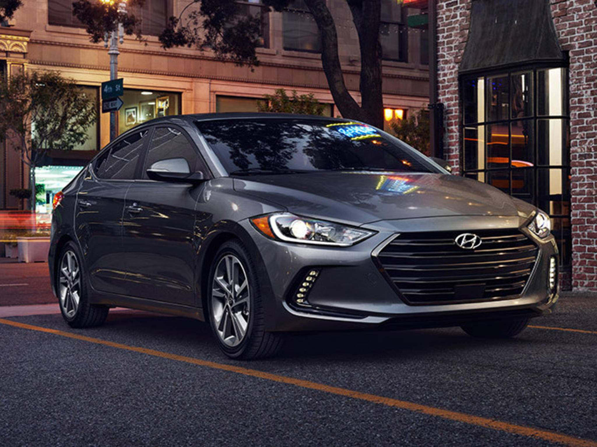 Der Hyundai Elantra ist mit Android Auto ausgestattet und ...
