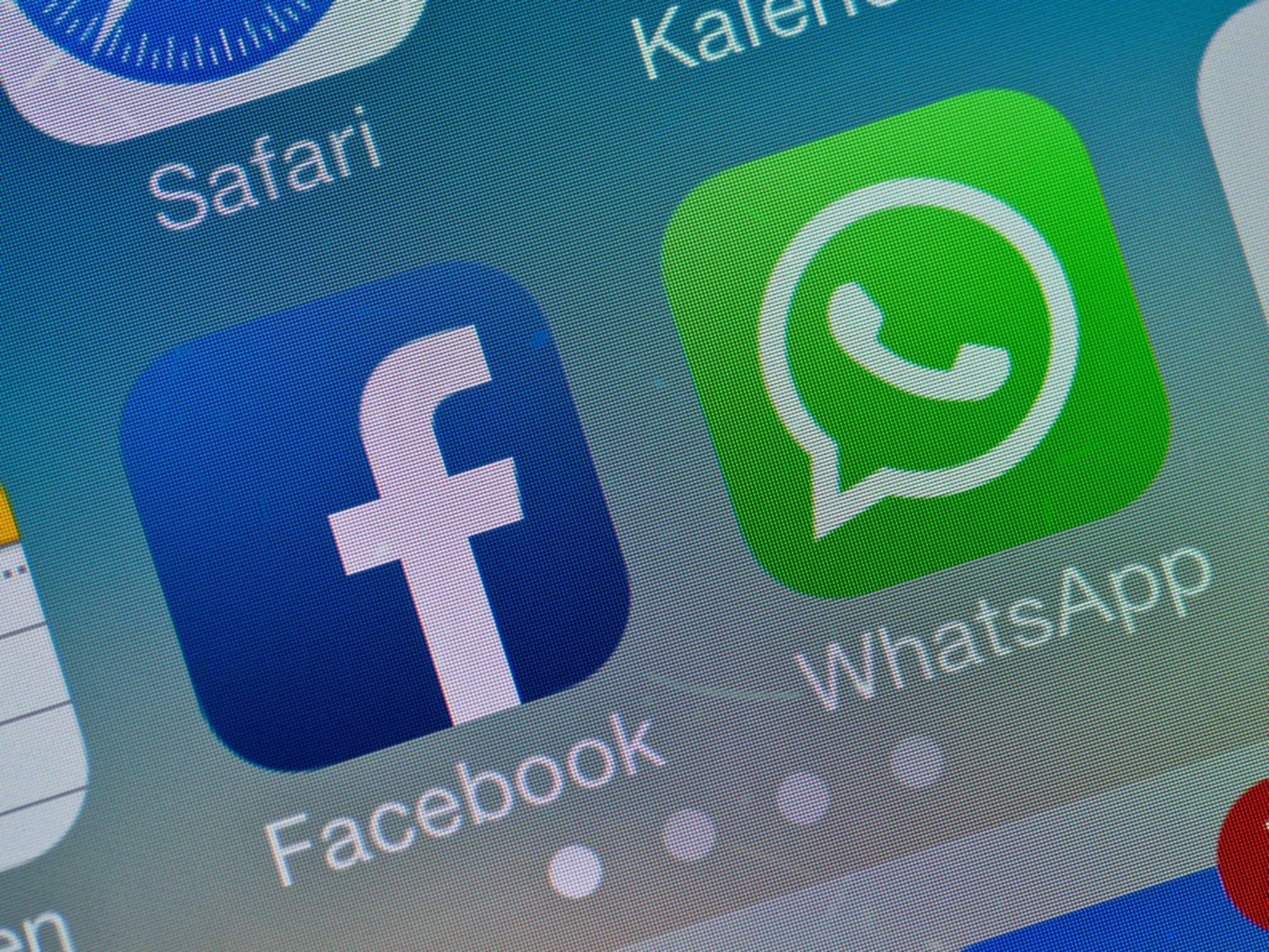 So kannst Du Daten zwischen Facebook und WhatsApp austauschen.
