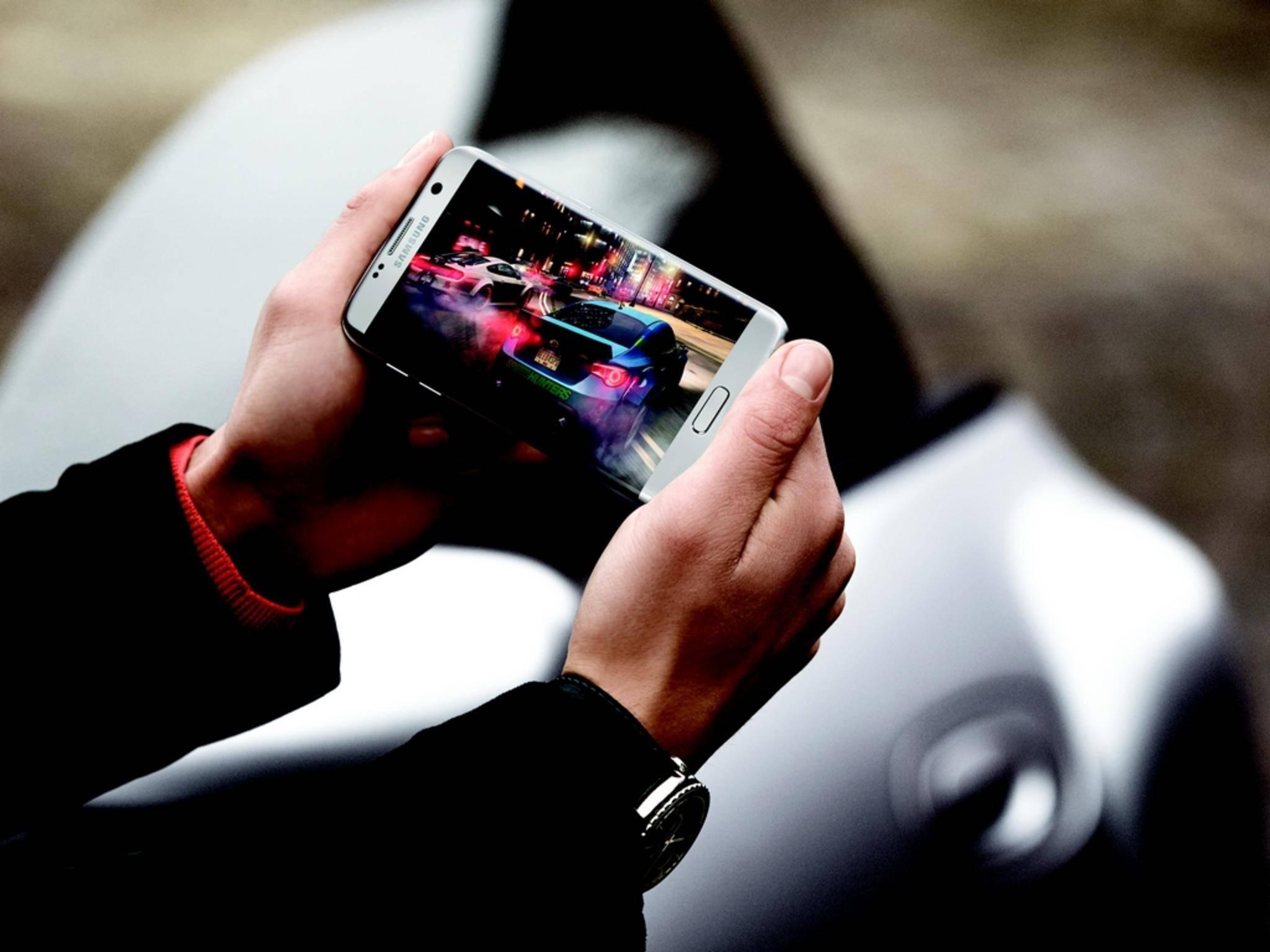 Höhere Auflösung, andere Technik als beim iPhone 6s Plus: das Display des Galaxy S7 Edge.