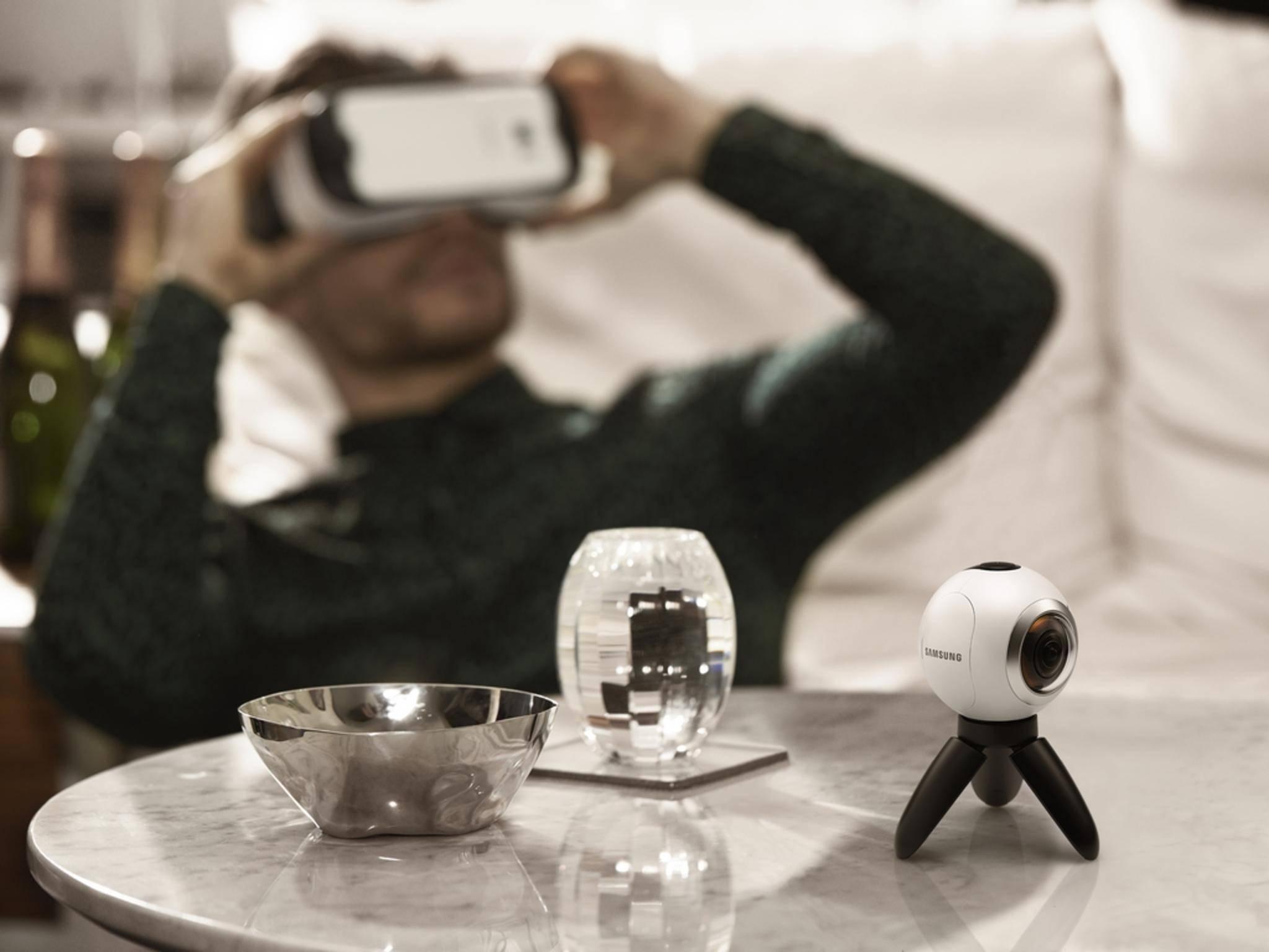 Die Gear 360 filmt Rundumbilder, die mit Galaxy S7 und Gear VR angesehen werden können.