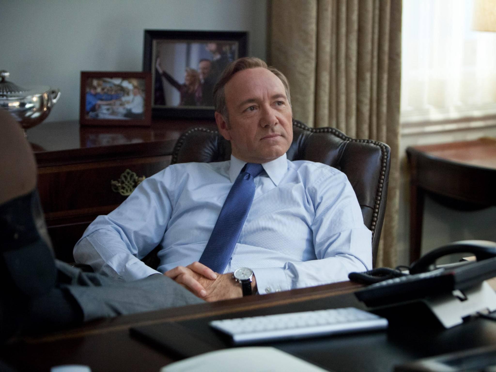 """Ist eher ein BlackBerry-Fan: Frank Underwood in """"House of Cards"""","""