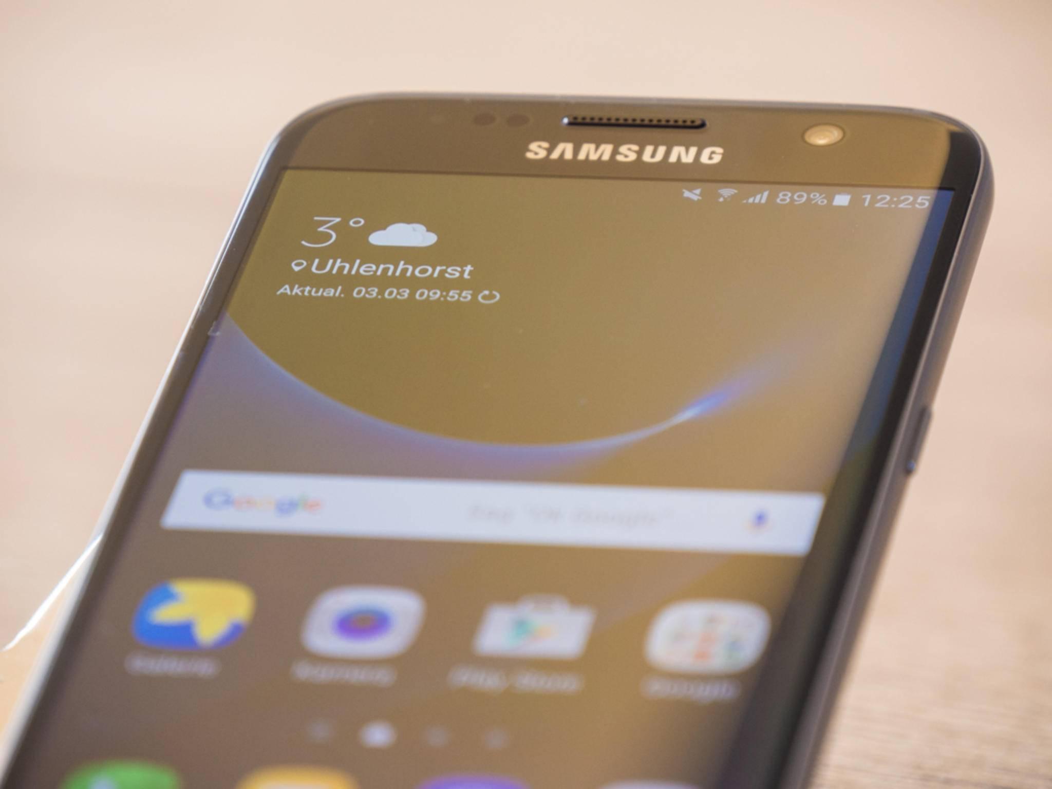 Ein Edge-Display wie bei Samsung ist nur dank OLED-Technologie denkbar.