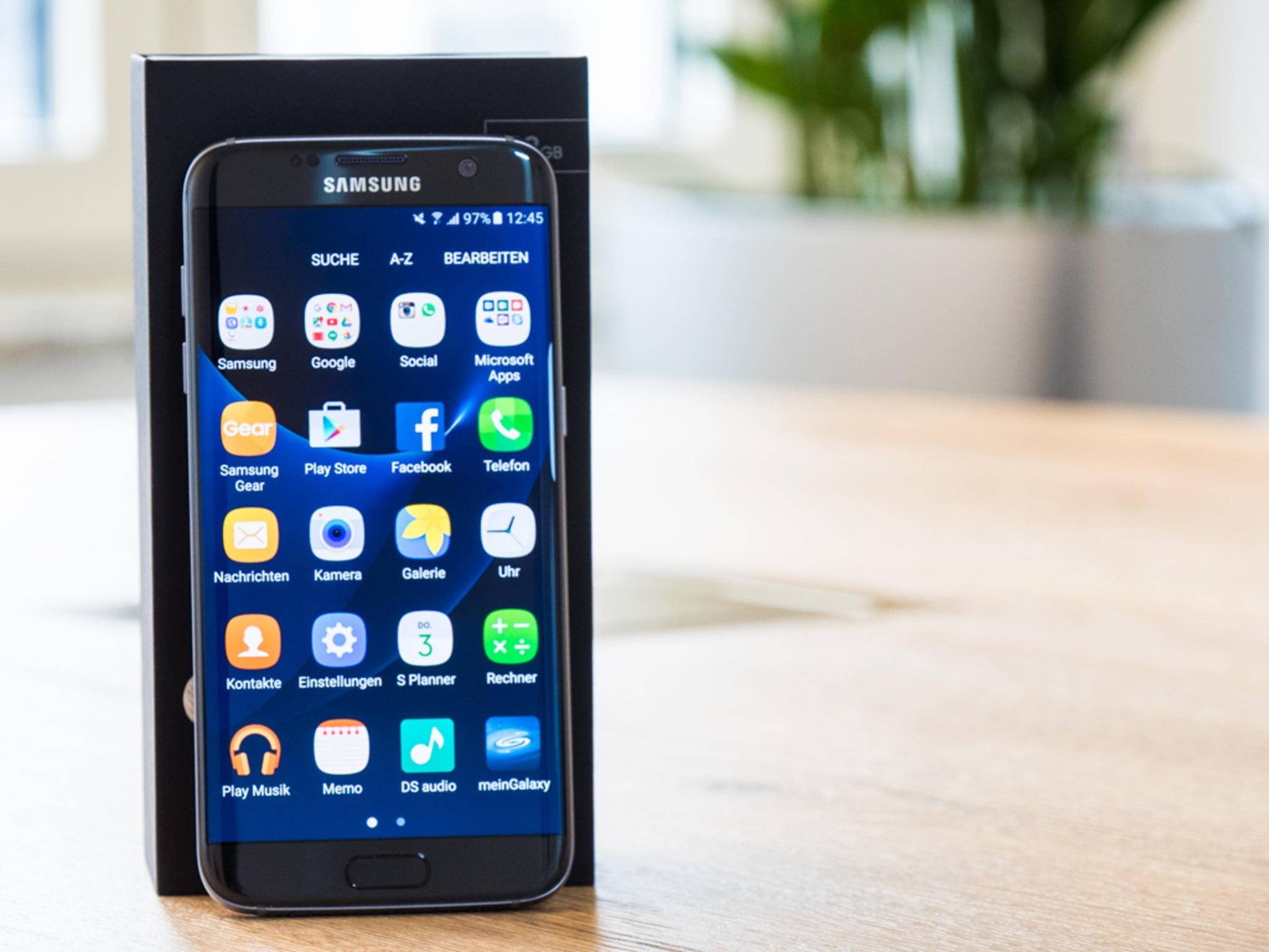 Das Samsung Galaxy S7 ist noch gefragter als das Galaxy S6 im letzten Jahr.