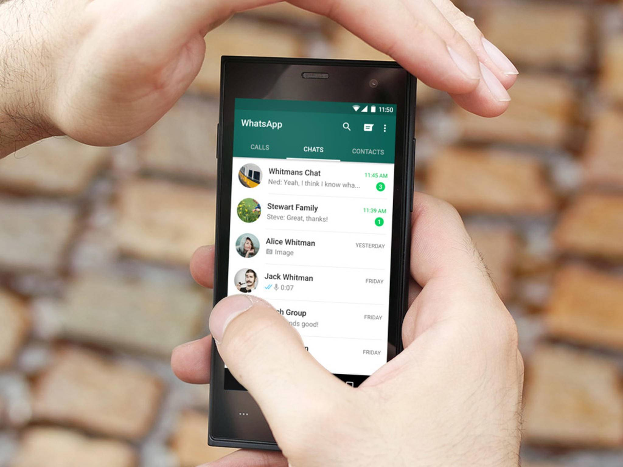 Endlich darf man mit WhatsApp auch GIFs versenden.