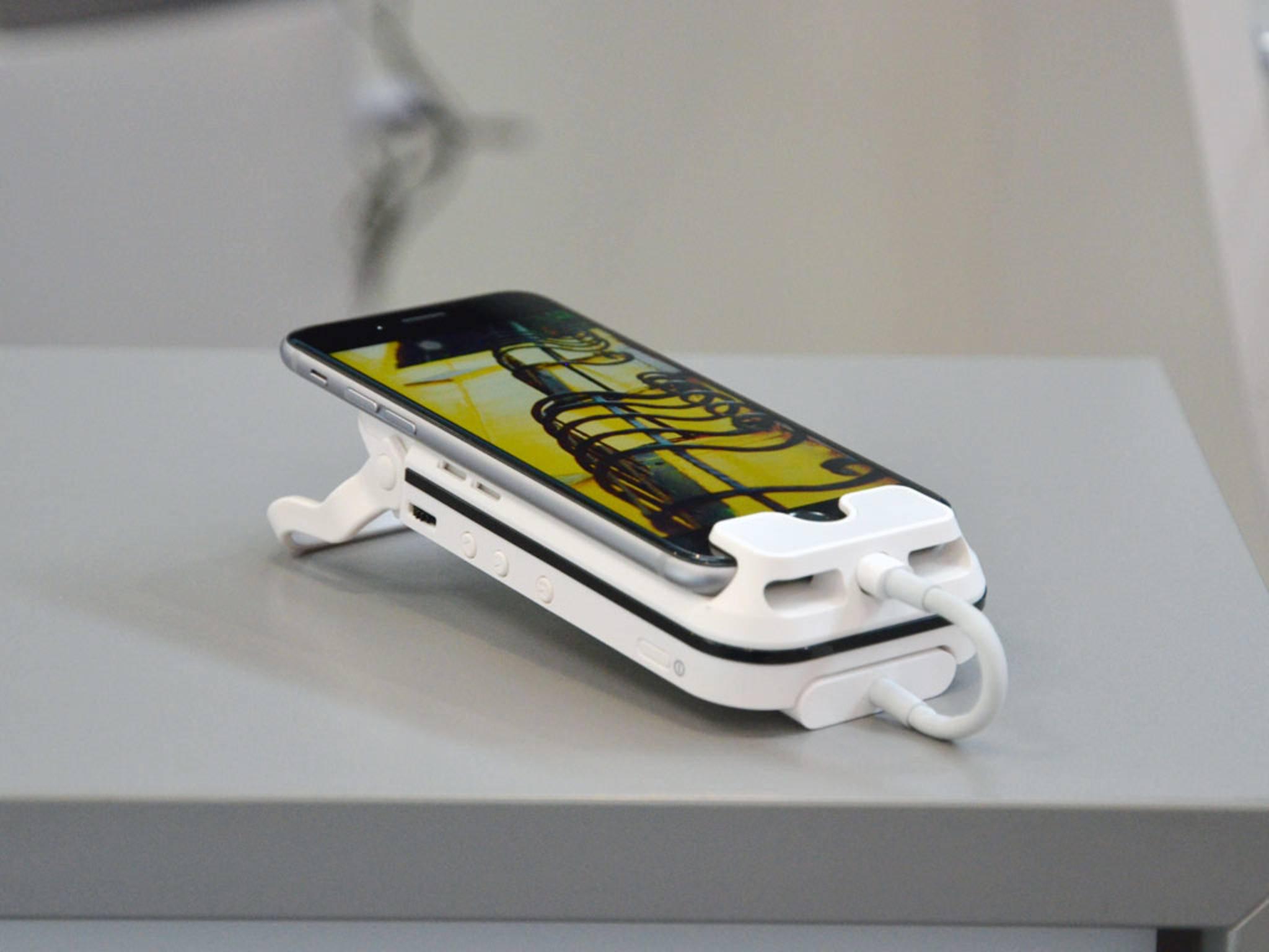 Der iPhone 6s-Beamer Aiptek i60 ist kompakt und bietet ein scharfes Bild.