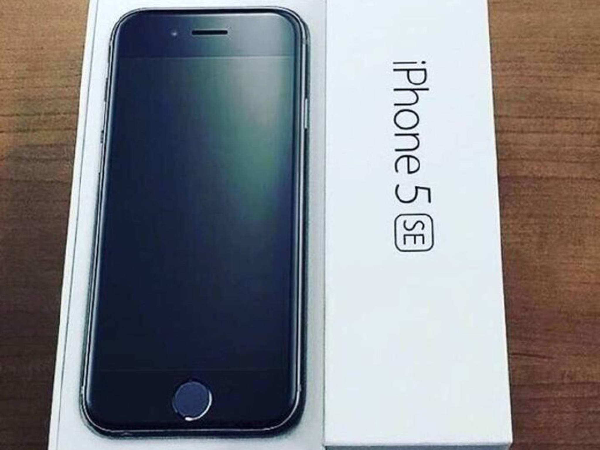 Zeigt sich das iPhone 5se hier wirklich in seiner Verkaufsverpackung?