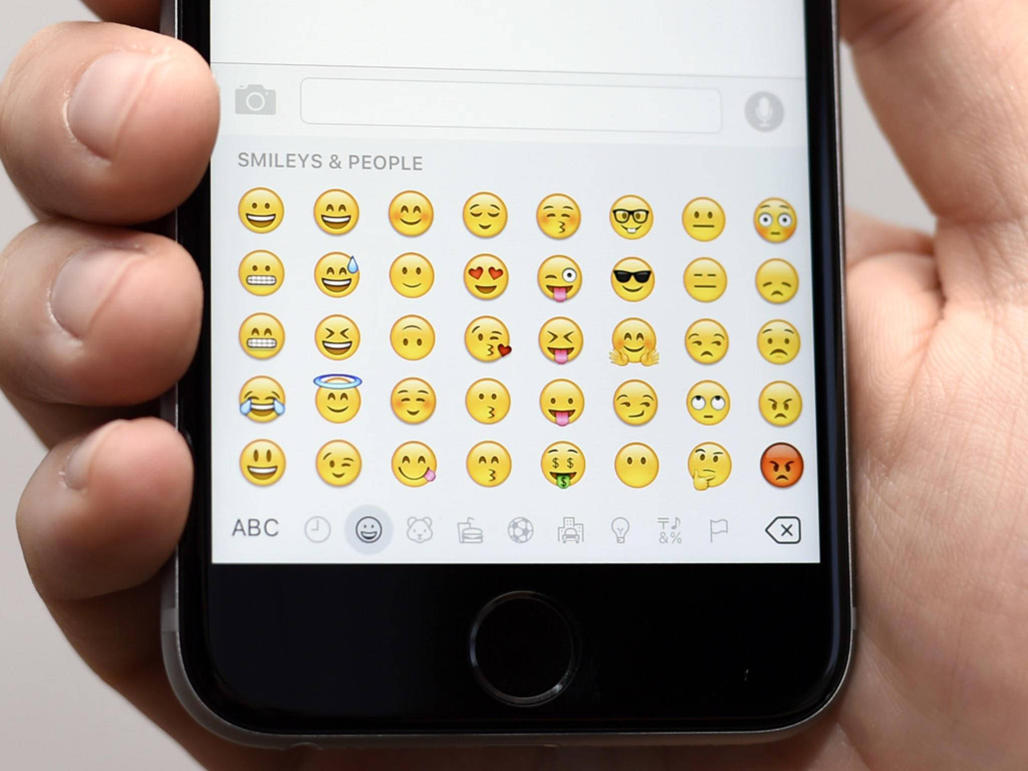 So bekommst Du noch mehr Emojis für Dein iPhone.