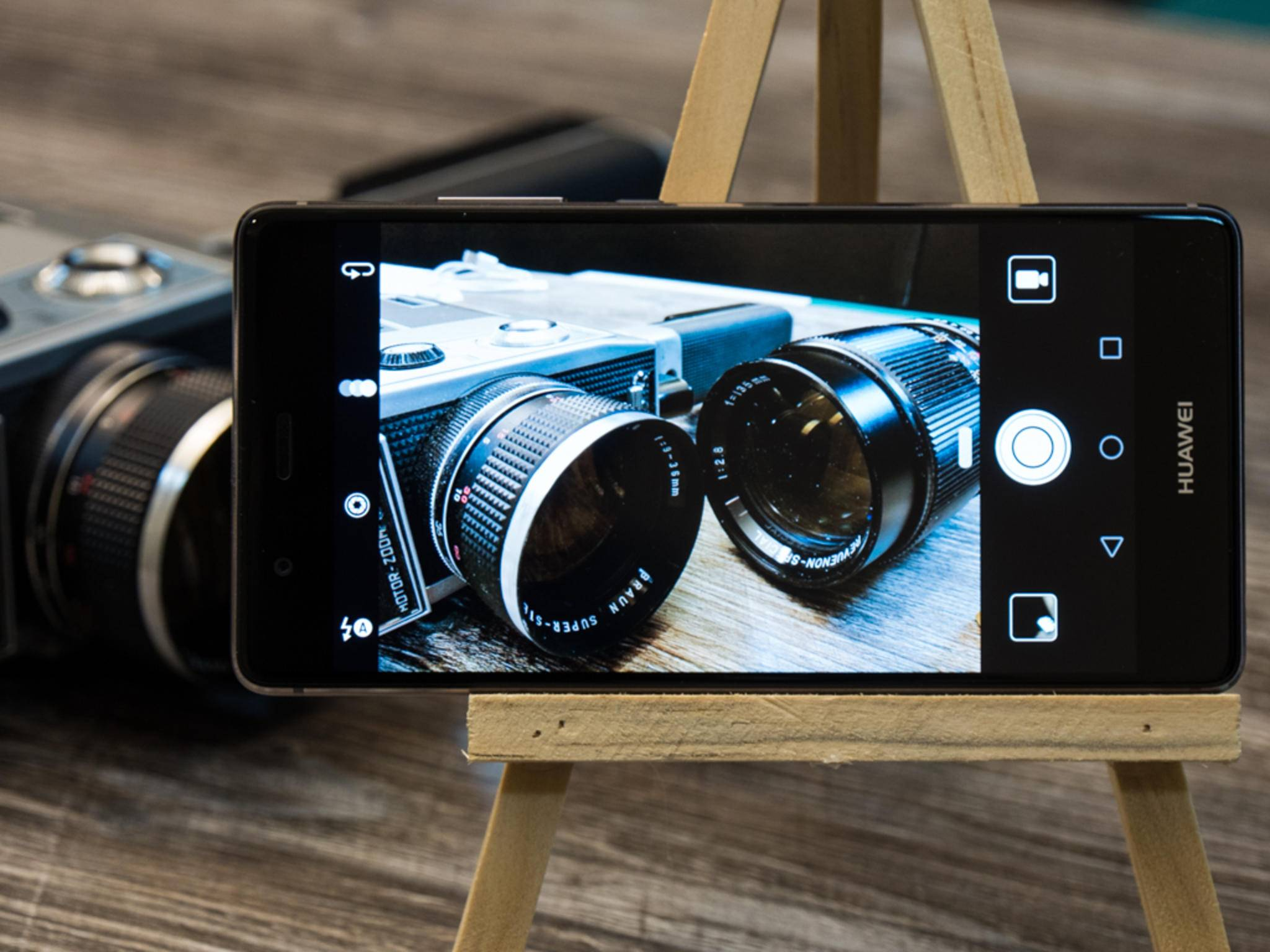 Wie der Vorgänger dürfte auch das Huawei P10 wieder eine Dual-Kamera haben.
