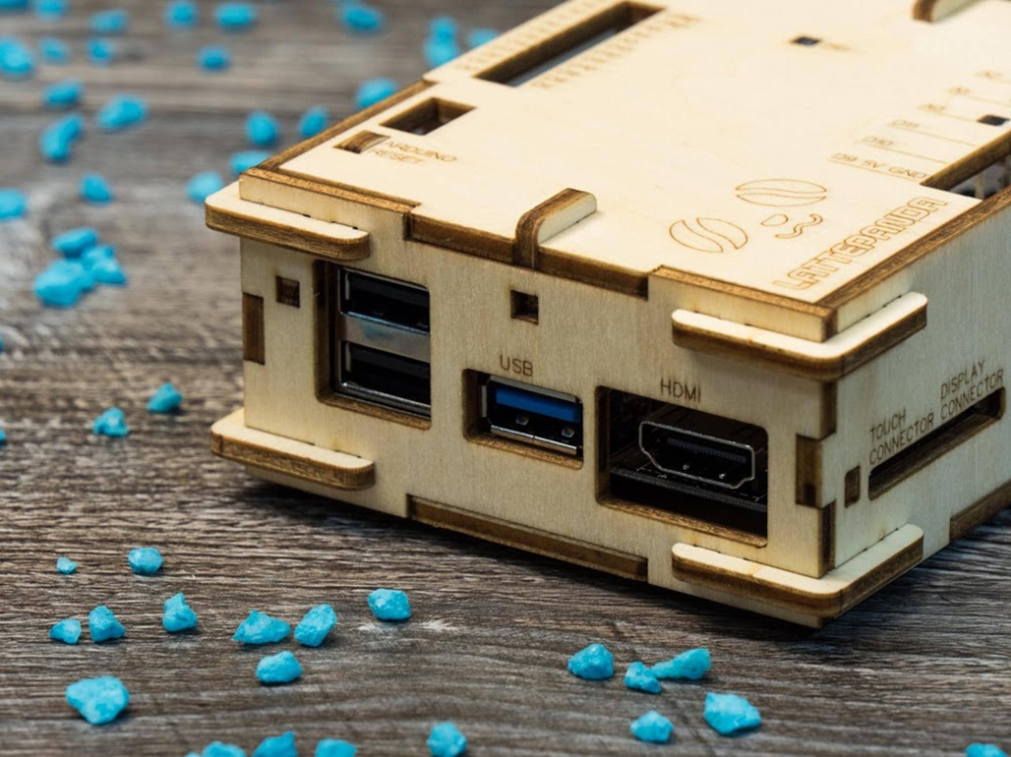 ... die USB-Ports und der HDMI-Zugang.