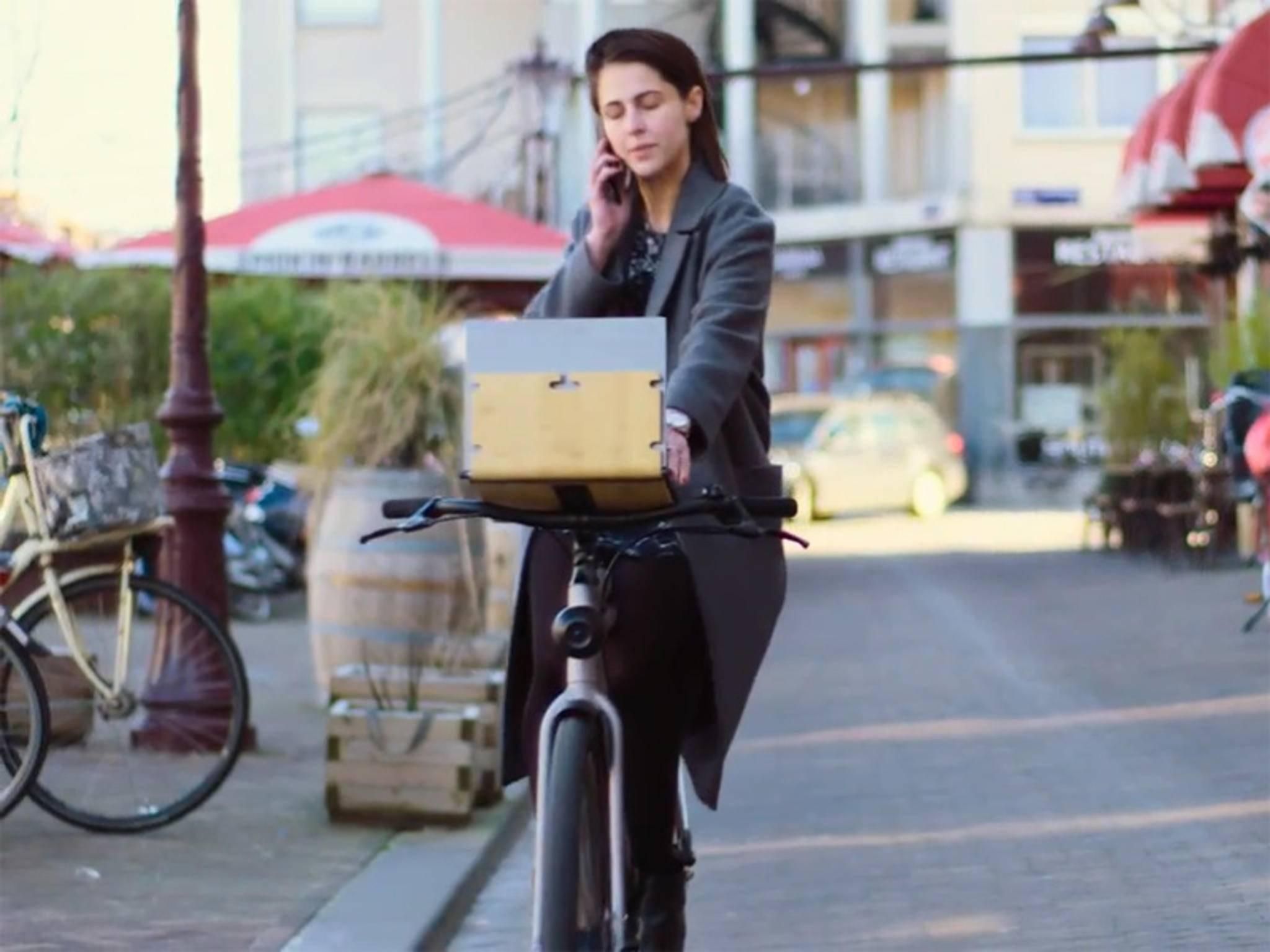Auf dem Self Driving Bike kann sogar gearbeitet werden.
