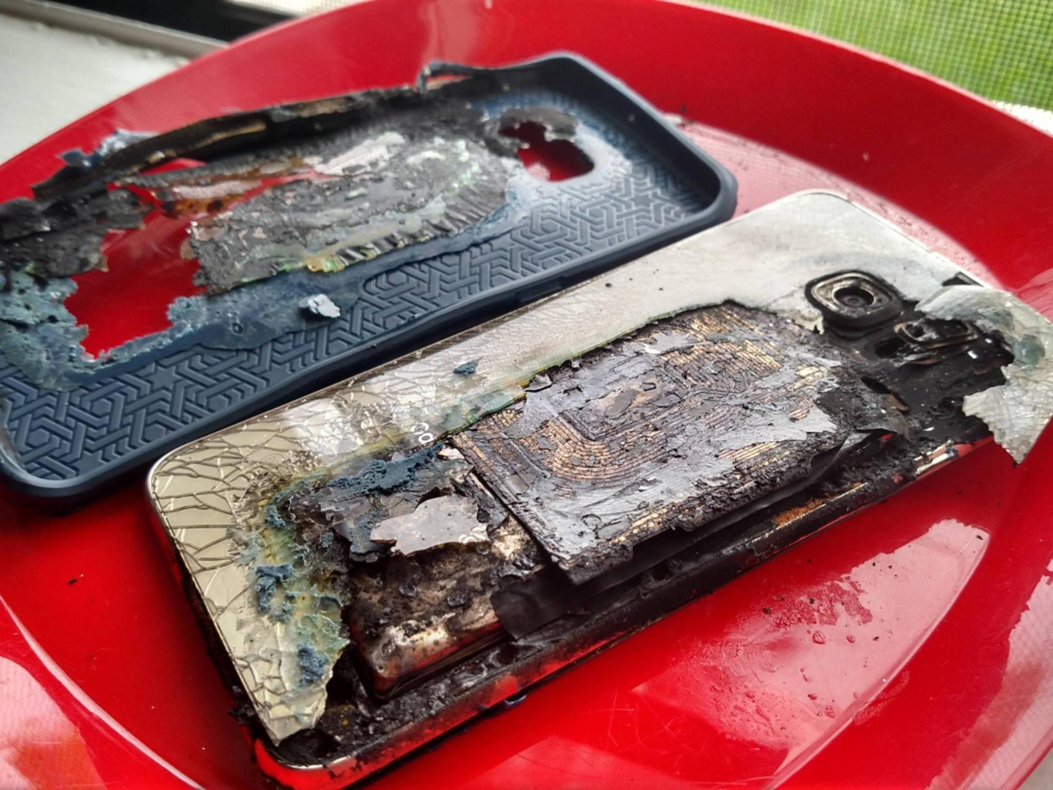 Dieses Galaxy S6 Edge Plus fing beim Aufladen Feuer.