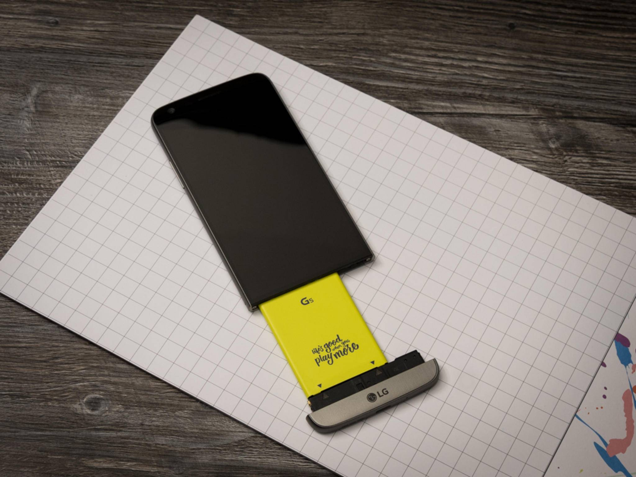 Wie das LG G5 soll auch das LG G6 wieder einen austauschbaren Akku haben.