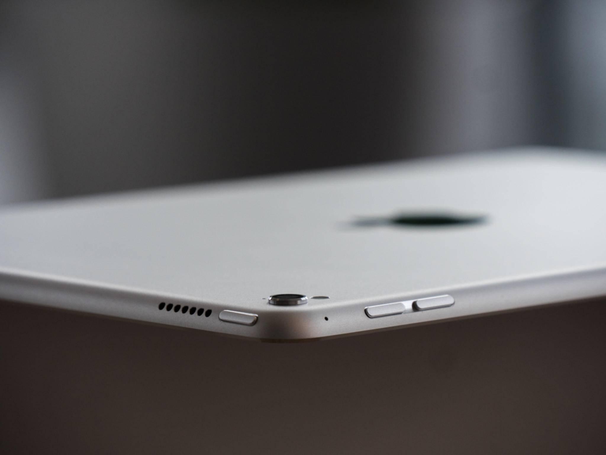 Anders als beim großen Bruder muss man beim neuen iPad Pro mit dem Kamera-Buckel leben.