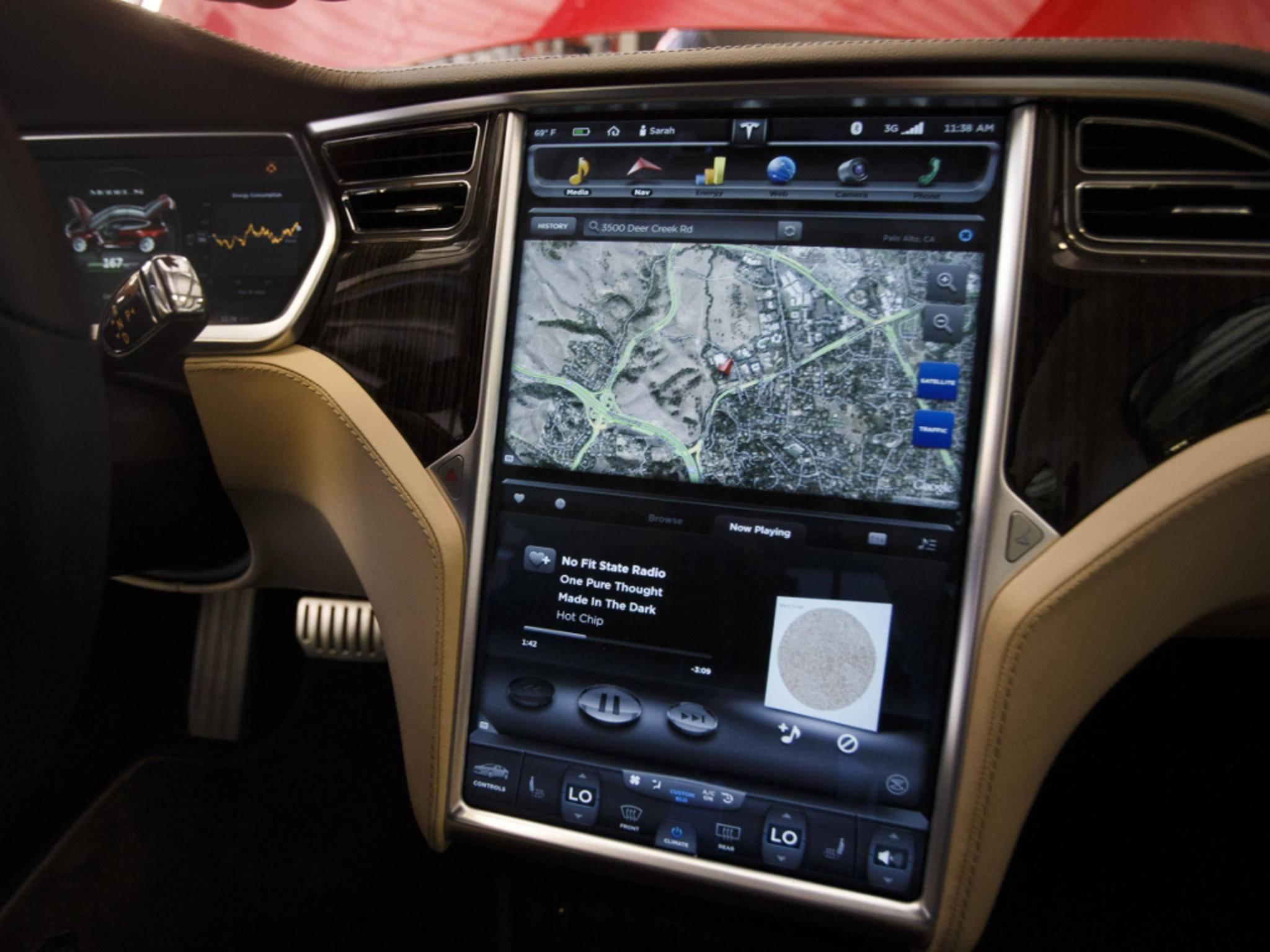 Das Display im neuen Tesla Model 3 soll von LG kommen.