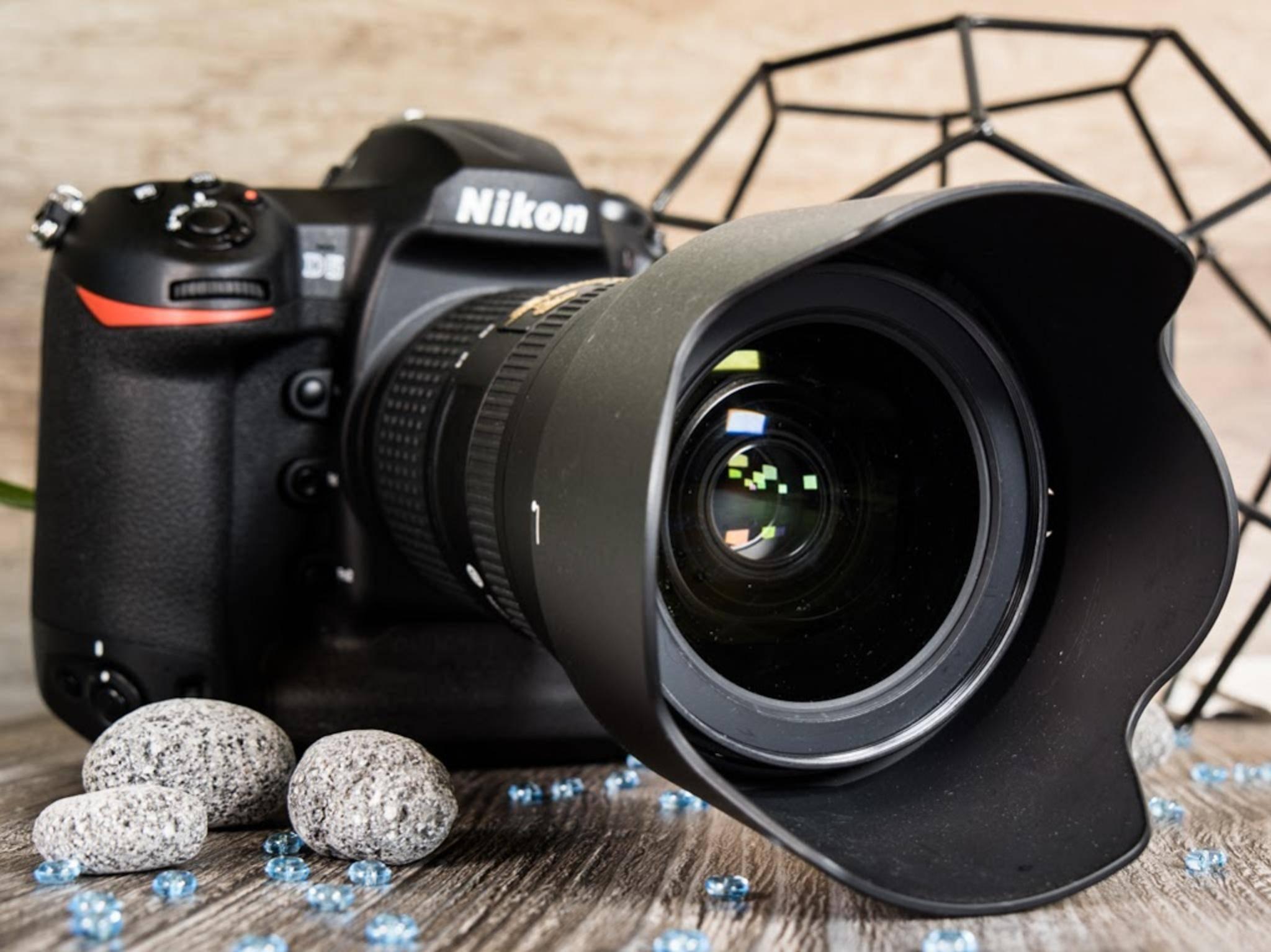 Die Nikon D5 ist eine Profikamera ...