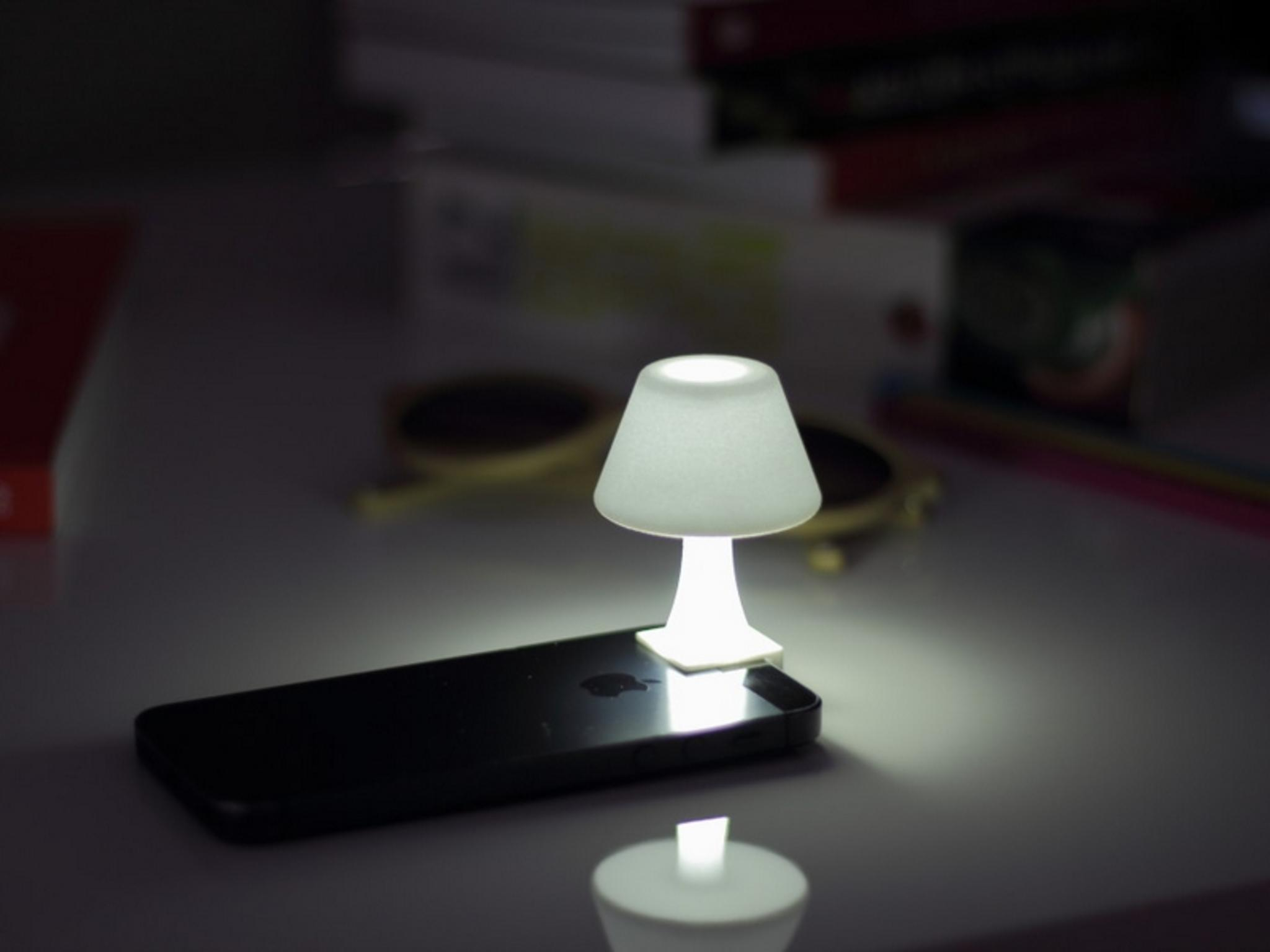 So stylisch ist das iPhone mit Mini-Lampe.