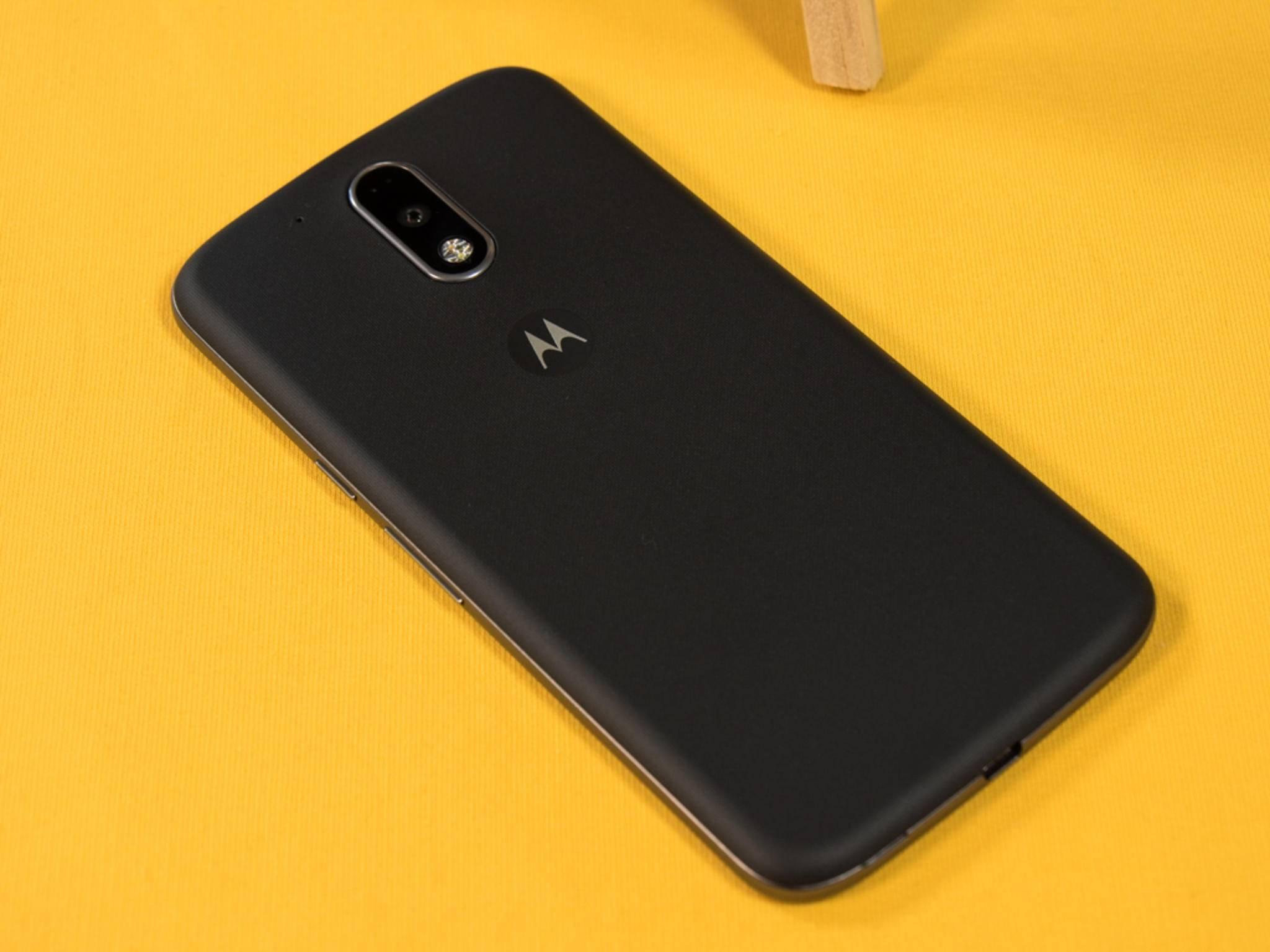 Das Moto G4 Plus orientiert sich am klassischen Motorola-Design.