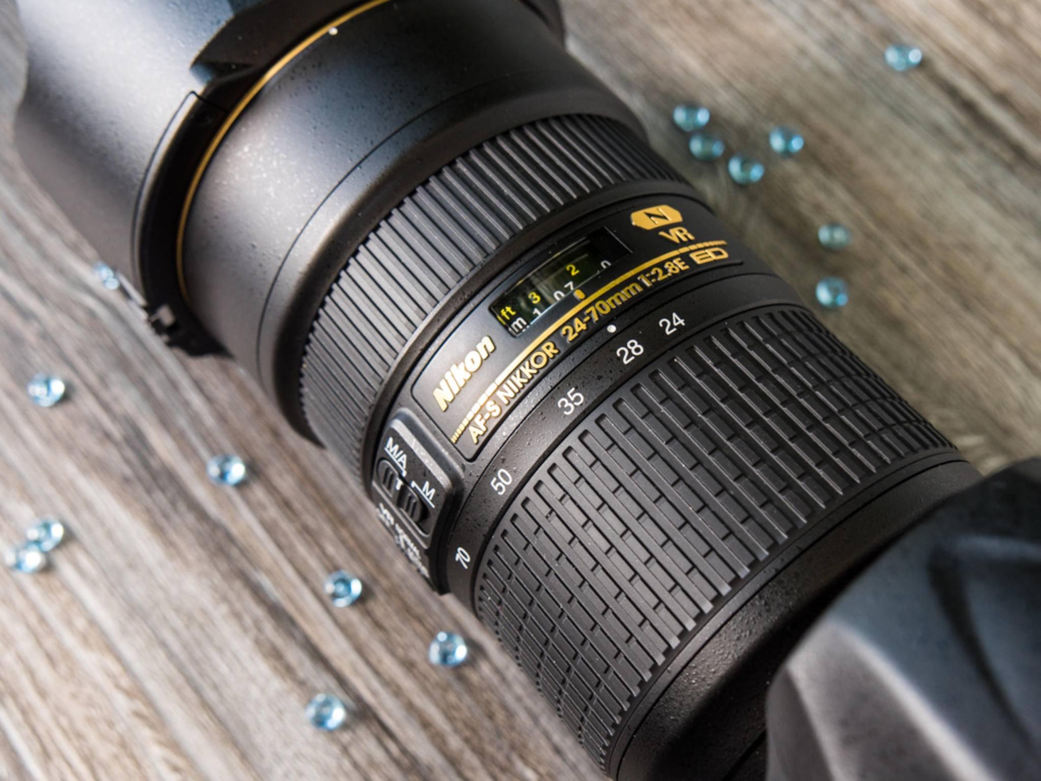 Das Kamera-Monster wurde mit einem 24-70 mm/f2.8-Objektiv getestet.