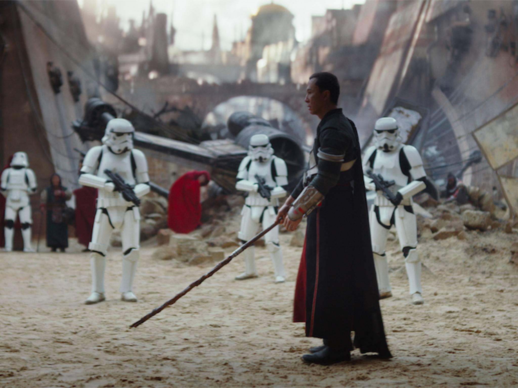 Chirrut Imwe glaubt an den Jedi-Code, hat aber keine Machtkräfte.