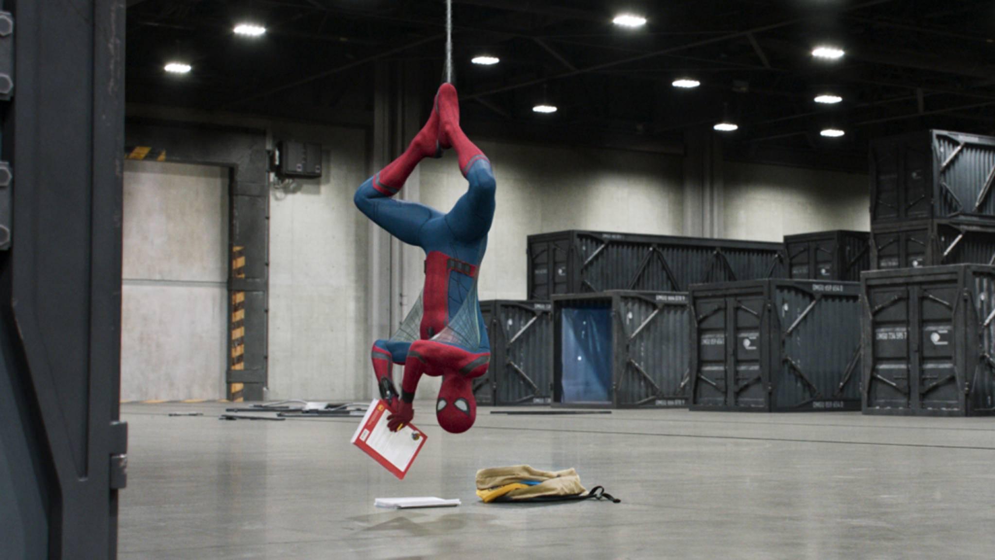 Auch ein Spider-Man muss für die Schule büffeln.