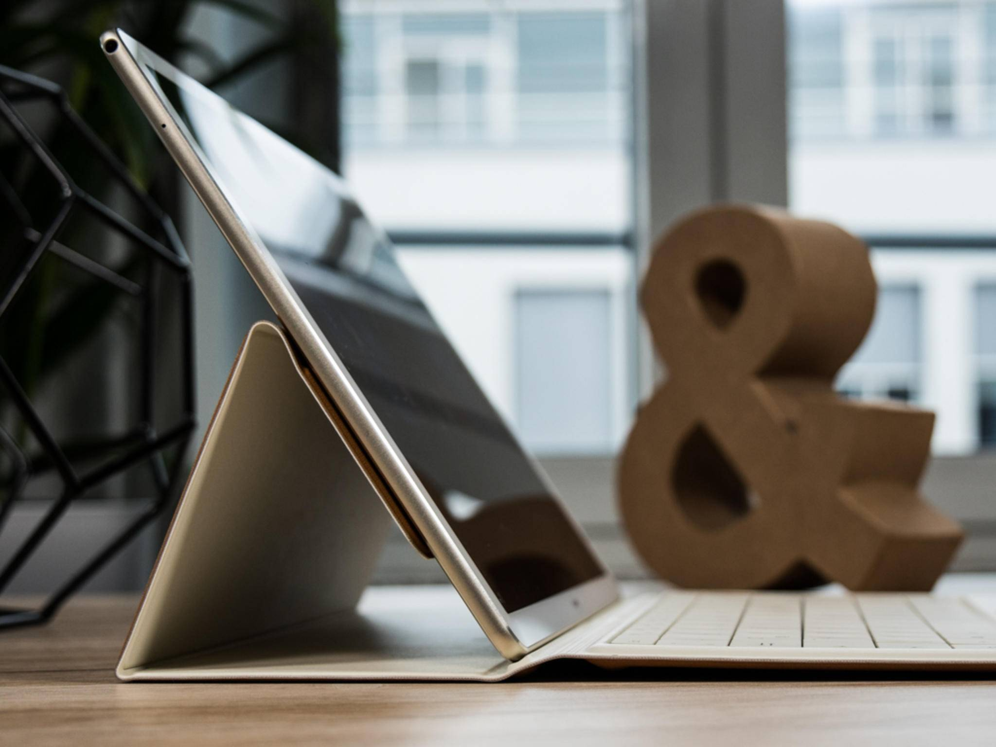 Das Huawei MateBook ist im Bundle mit Tastaturhülle erhältlich.