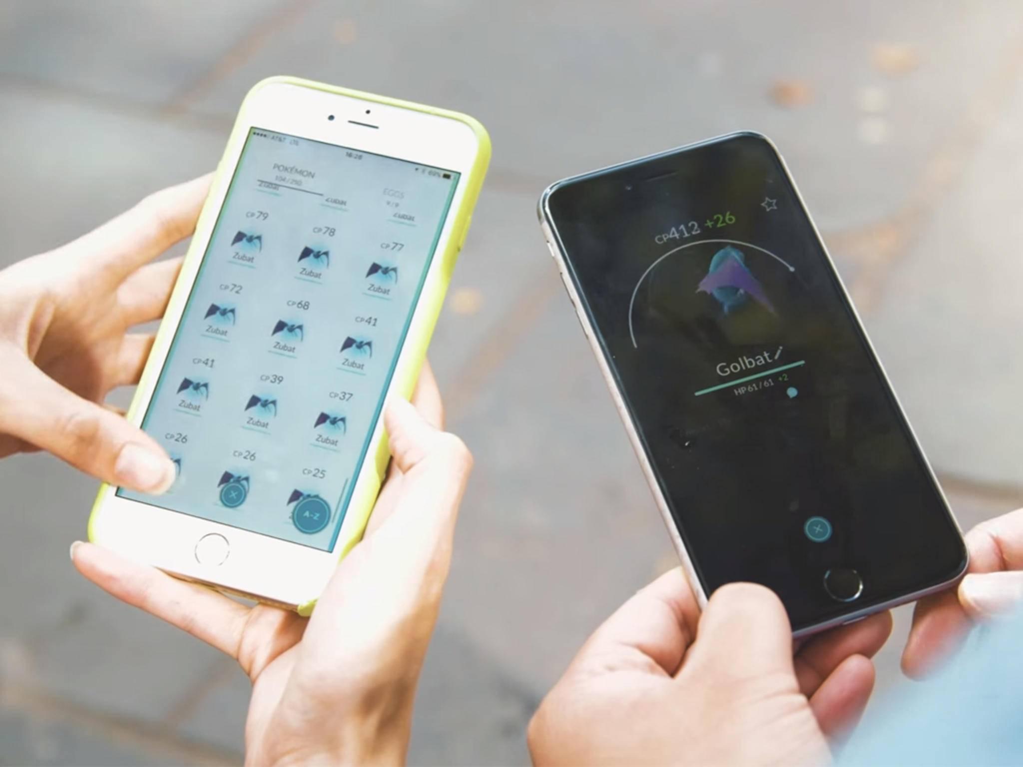 """""""Pokémon Go"""" zockt sich mit zwei Smartphones noch einfacher."""