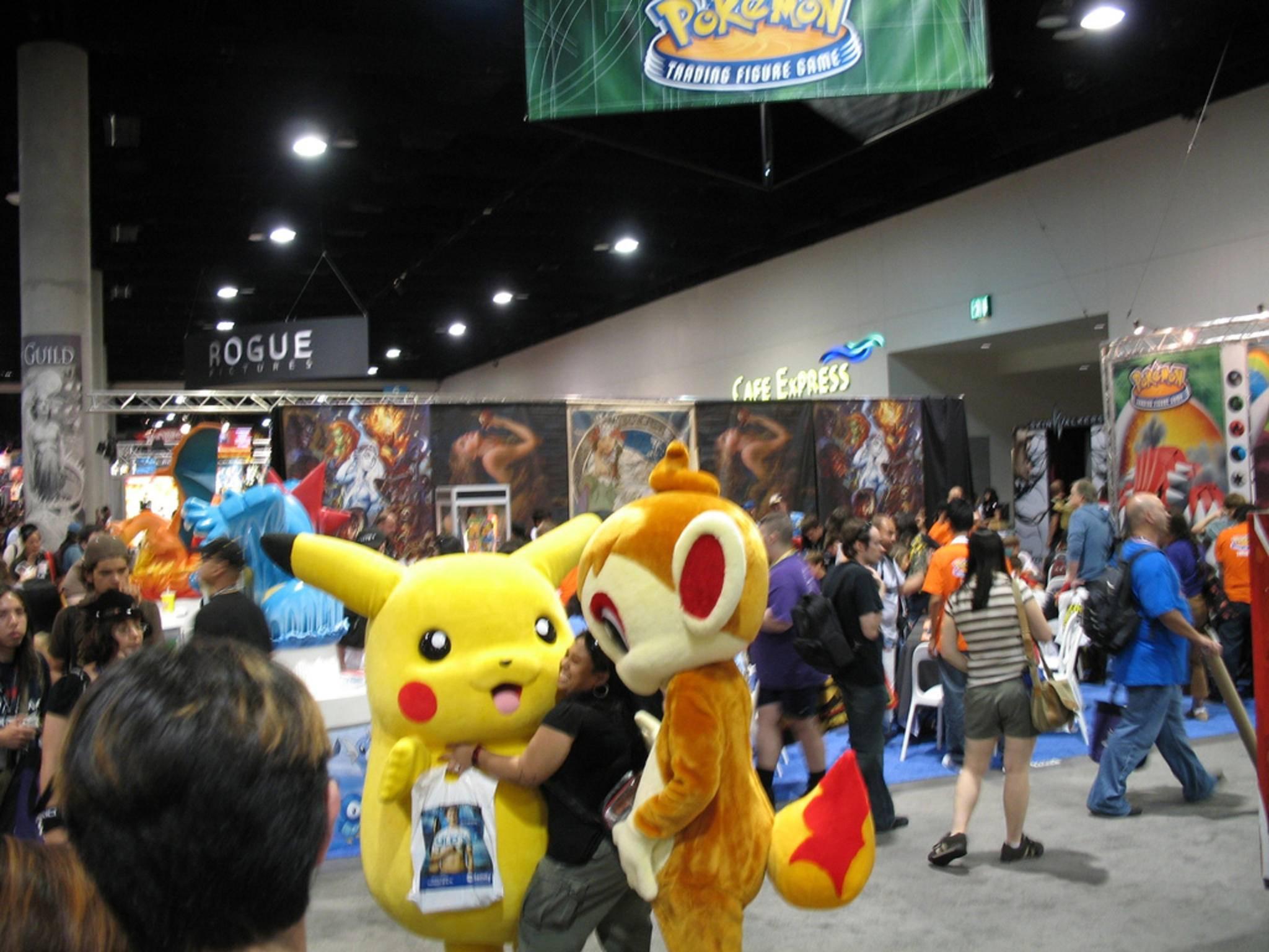 Du kannst jetzt gemeinsam mit Pikachu auf Pokémon-Jagd gehen.