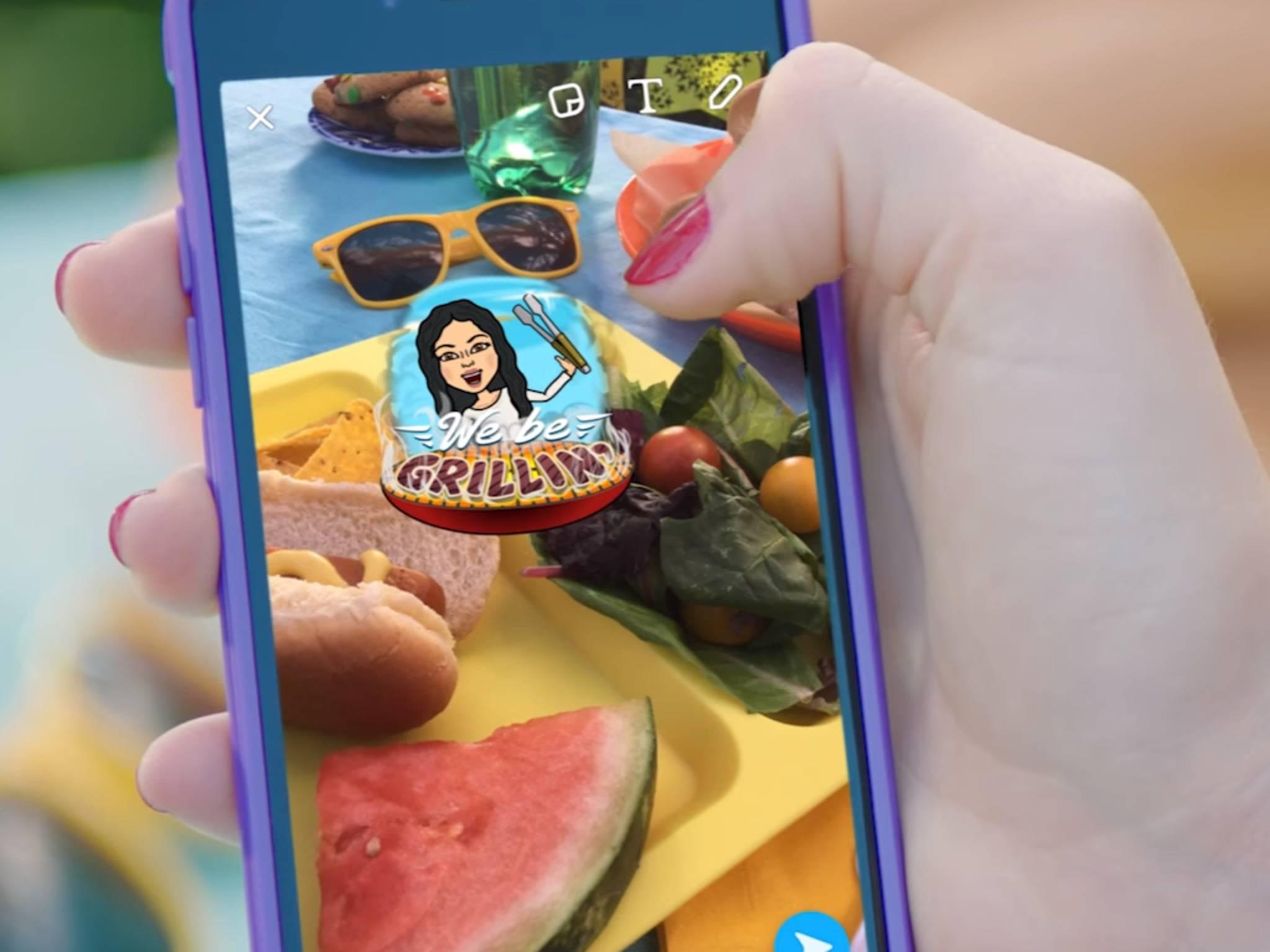 Bei Snapchat können Bilder ganz einfach mit Emojis und eigenem Text aufgepeppt werden.