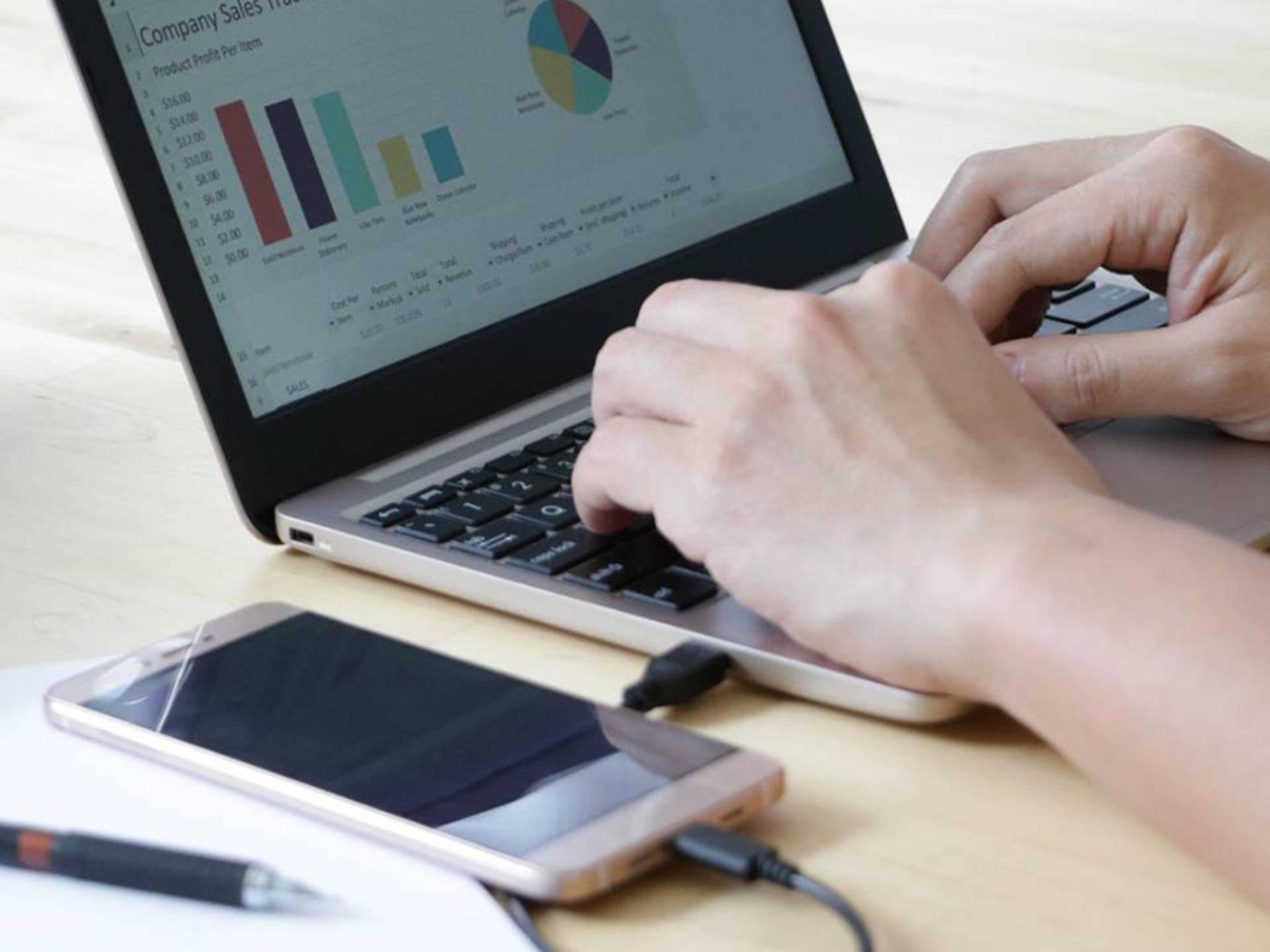 Das Superbook verwandelt das Android-Smartphone in einen Laptop.