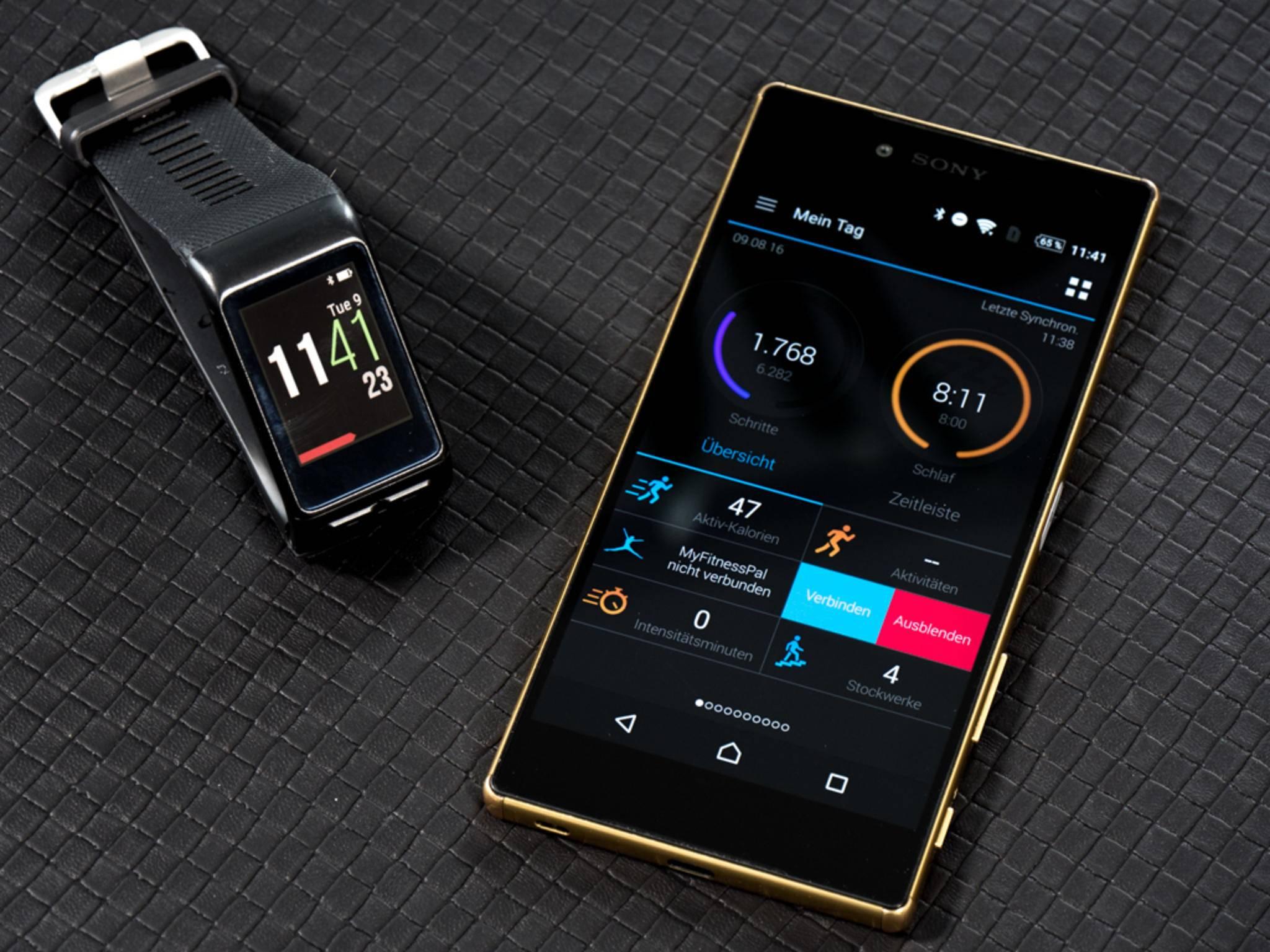 Viele Infos zeigt die Uhr selbst an, einige nur die App.