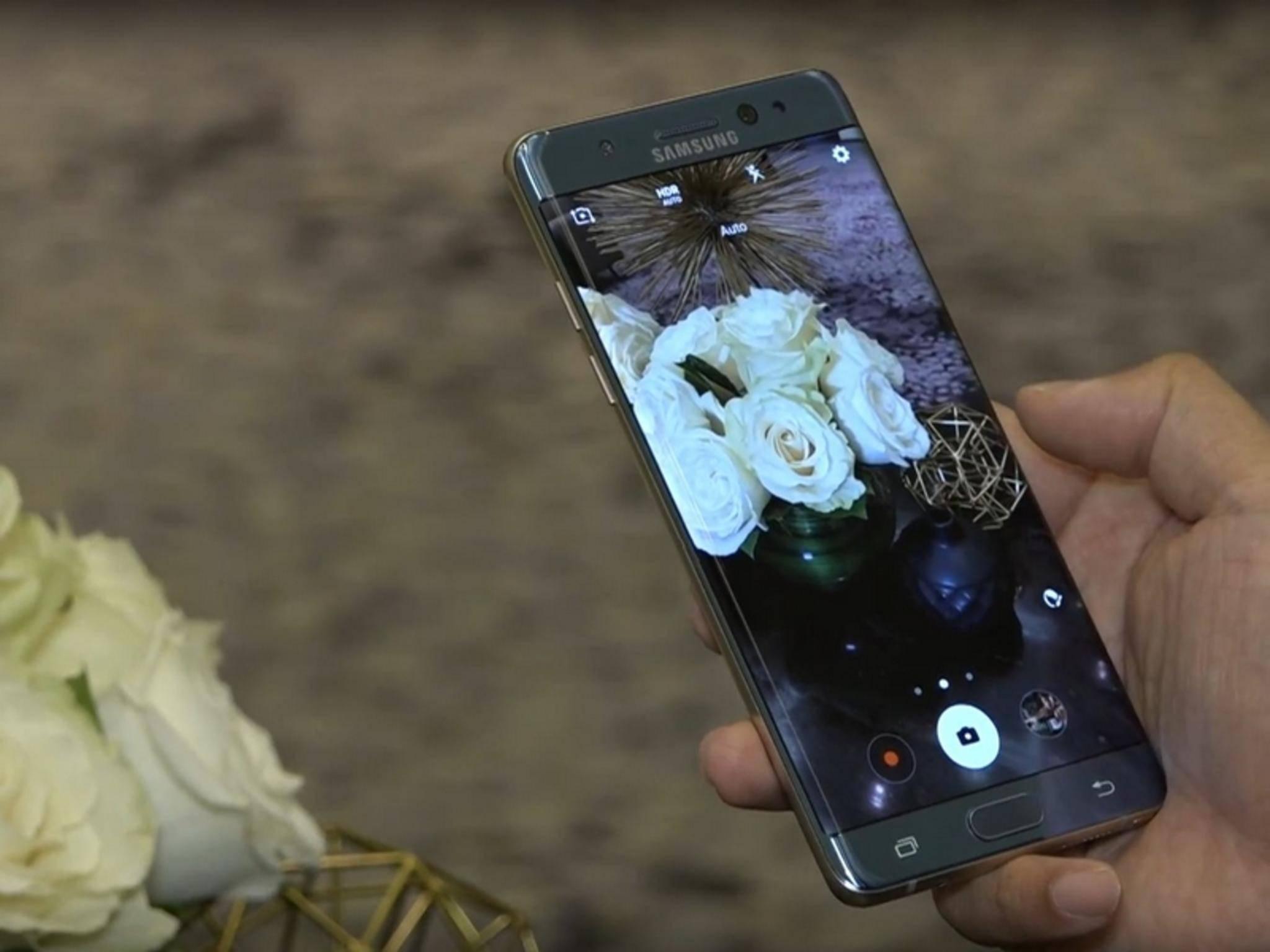 Das Galaxy Note 7 soll beim Aufladen angeblich explodieren.
